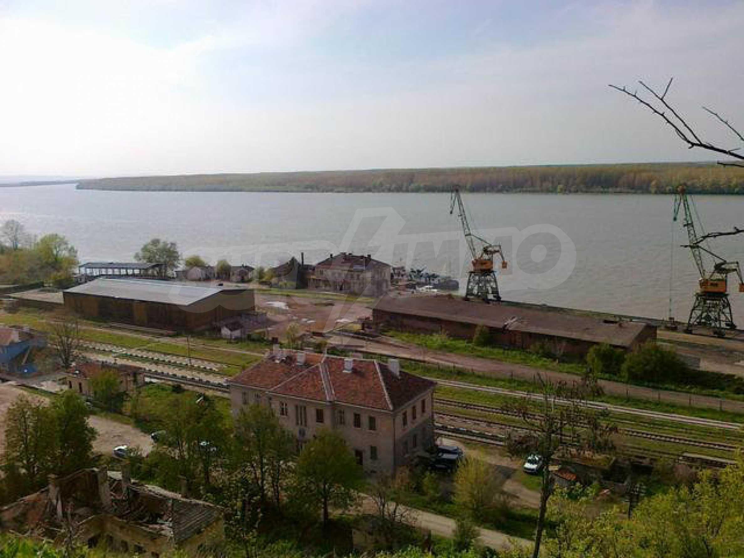 Полностью отремонтированный дом с большим садом и видом на Дунай 29