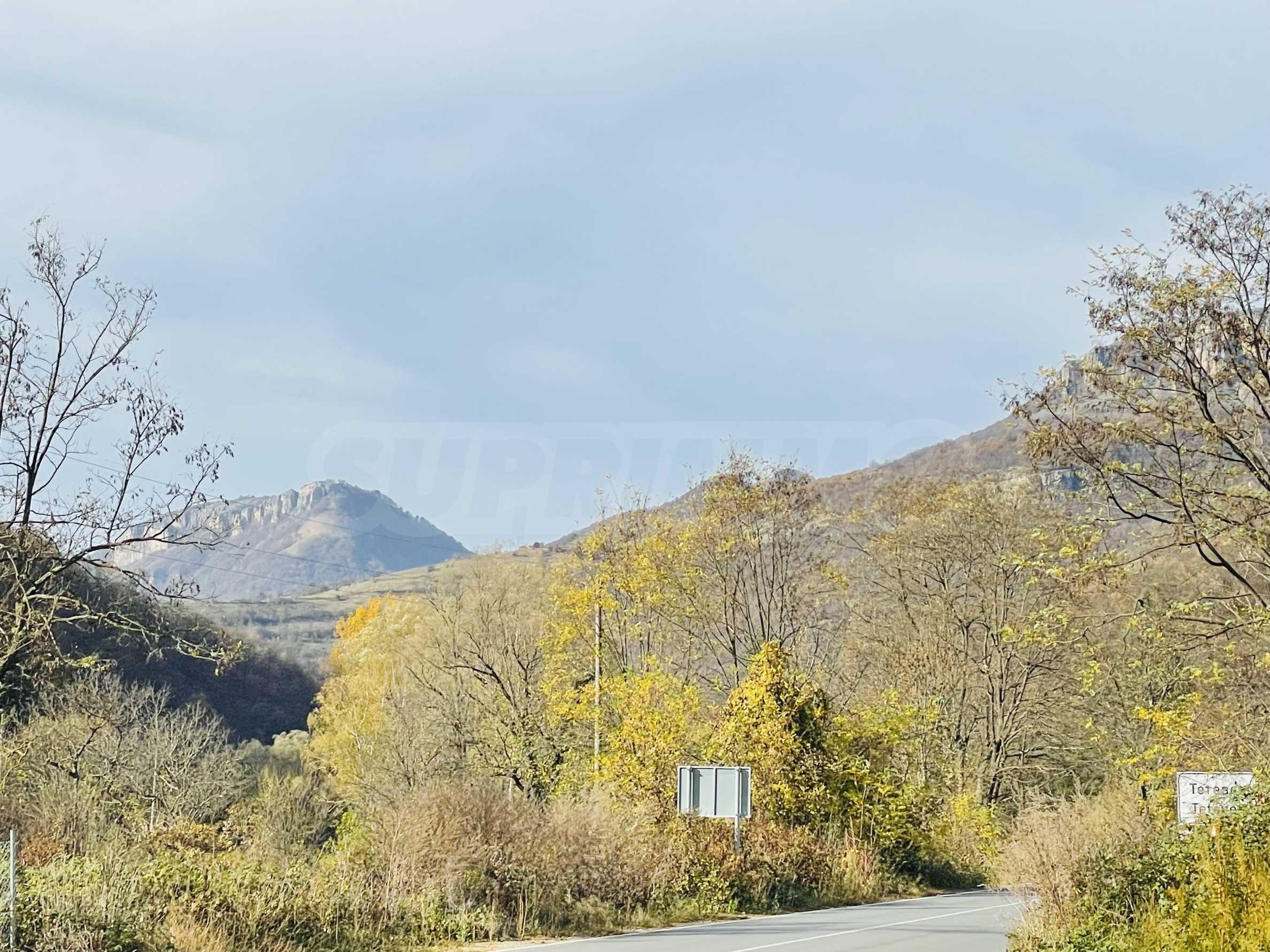 Geregeltes Grundstück mit Baugenehmigung im Dorf Ribaritsa
