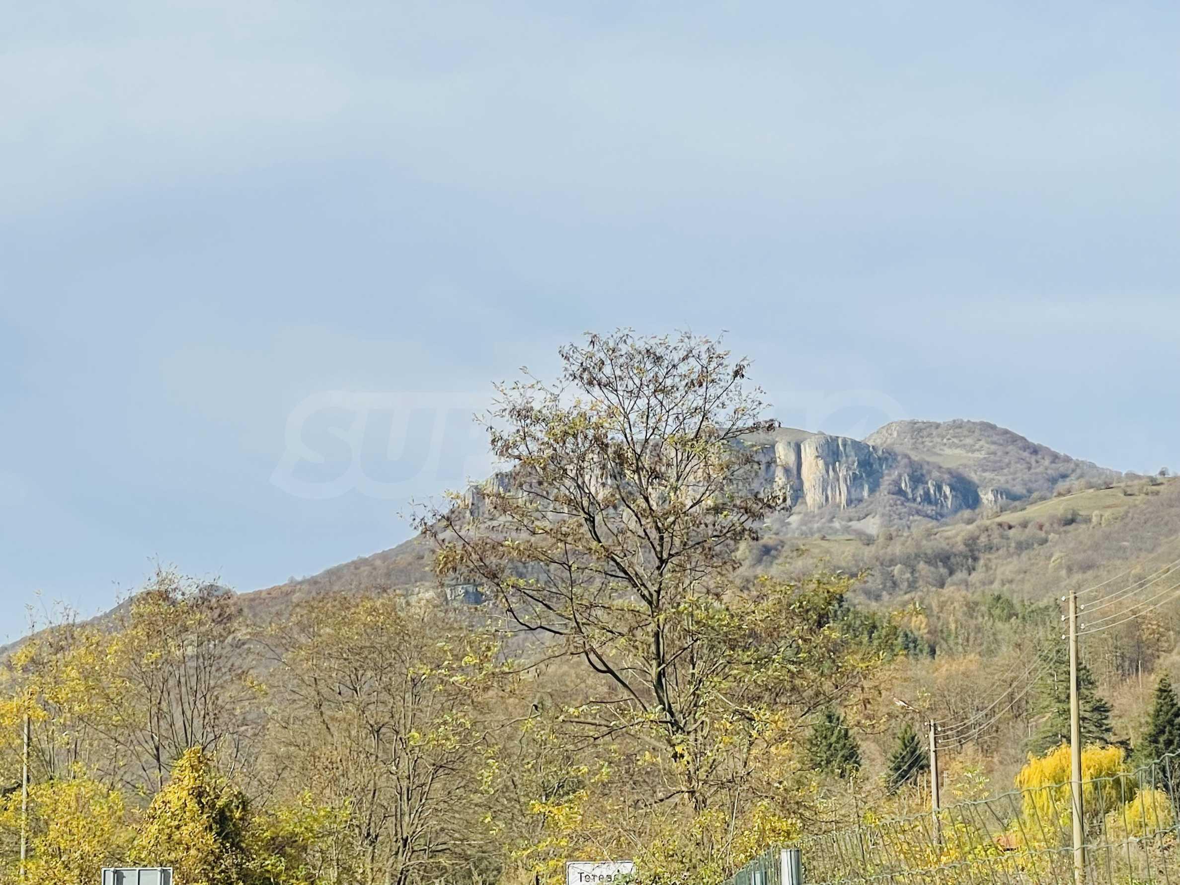 Geregeltes Grundstück mit Baugenehmigung im Dorf Ribaritsa 8