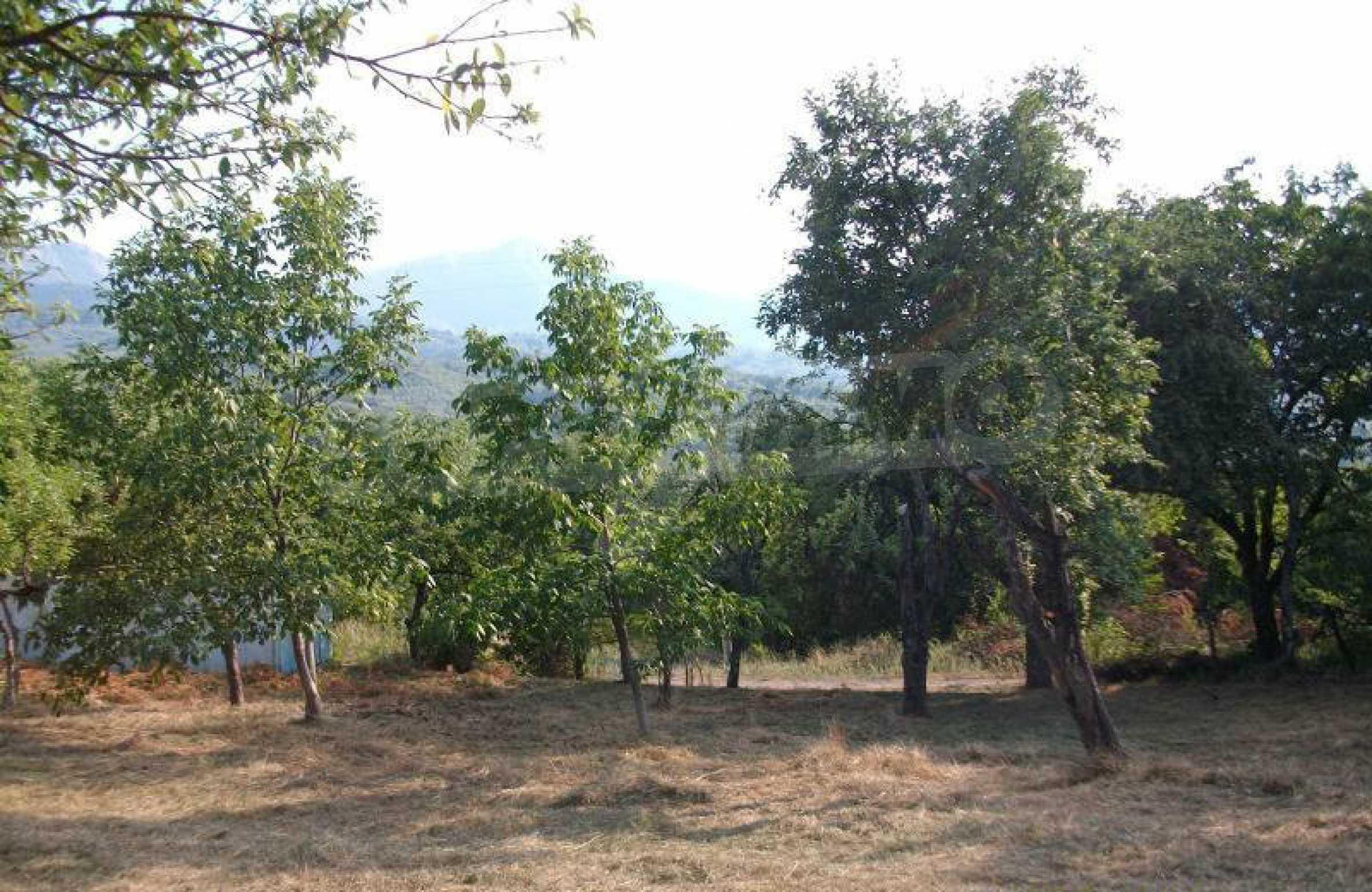 Hof mit einer schönen Aussicht, in einem Dorf 6 km von der Stadt Apriltsi entfernt 1
