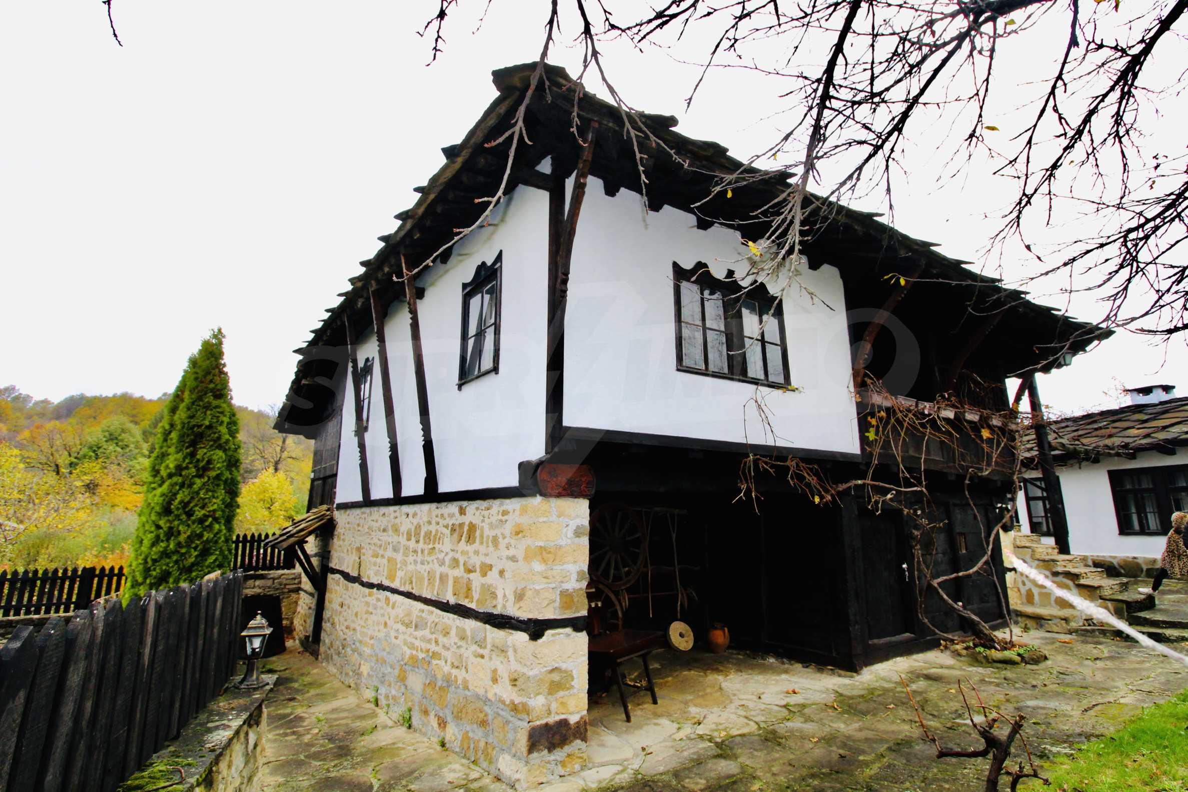 Einzigartige Renaissancehäuser mit authentischem Weinkeller
