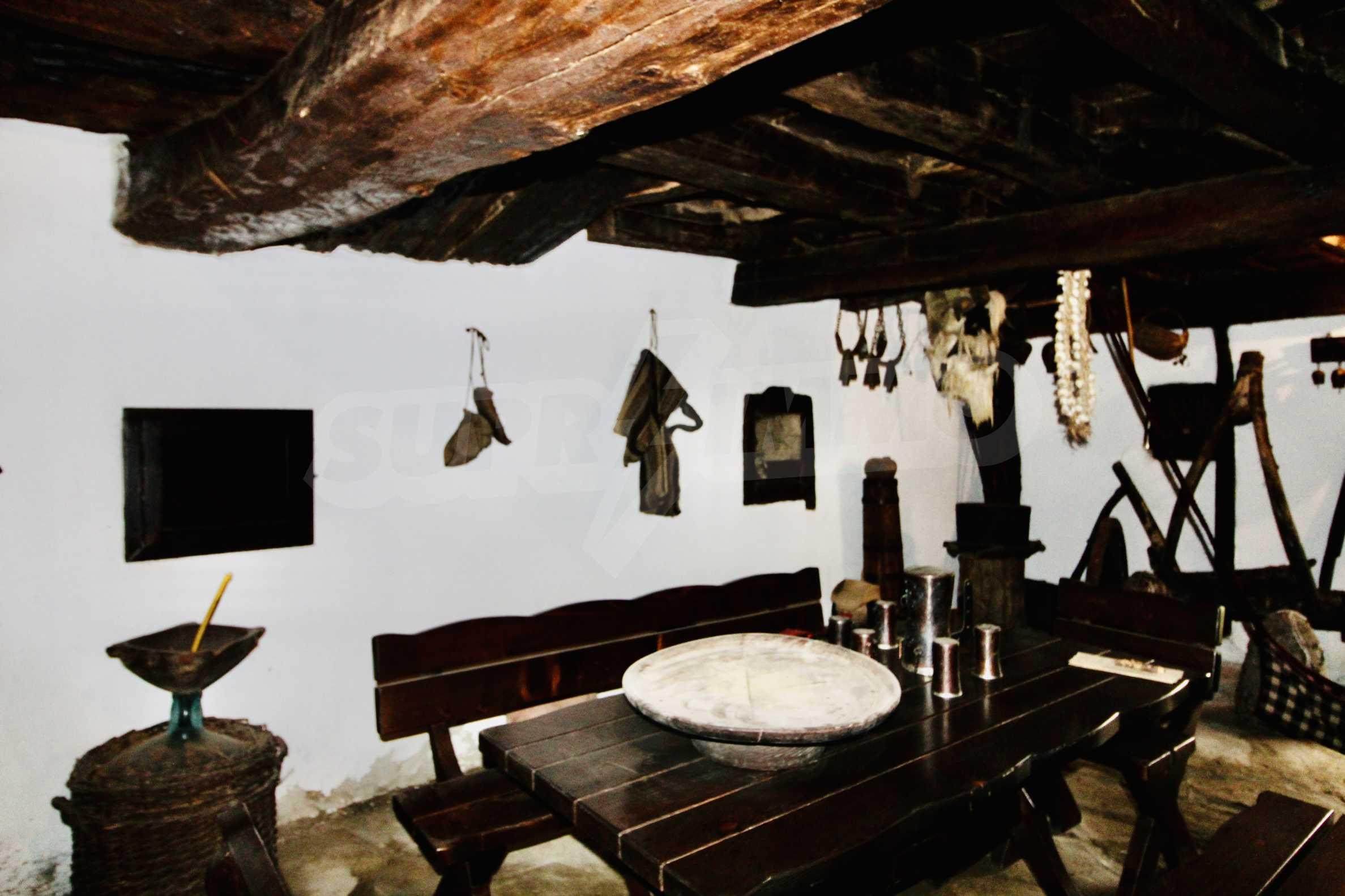 Einzigartige Renaissancehäuser mit authentischem Weinkeller 18
