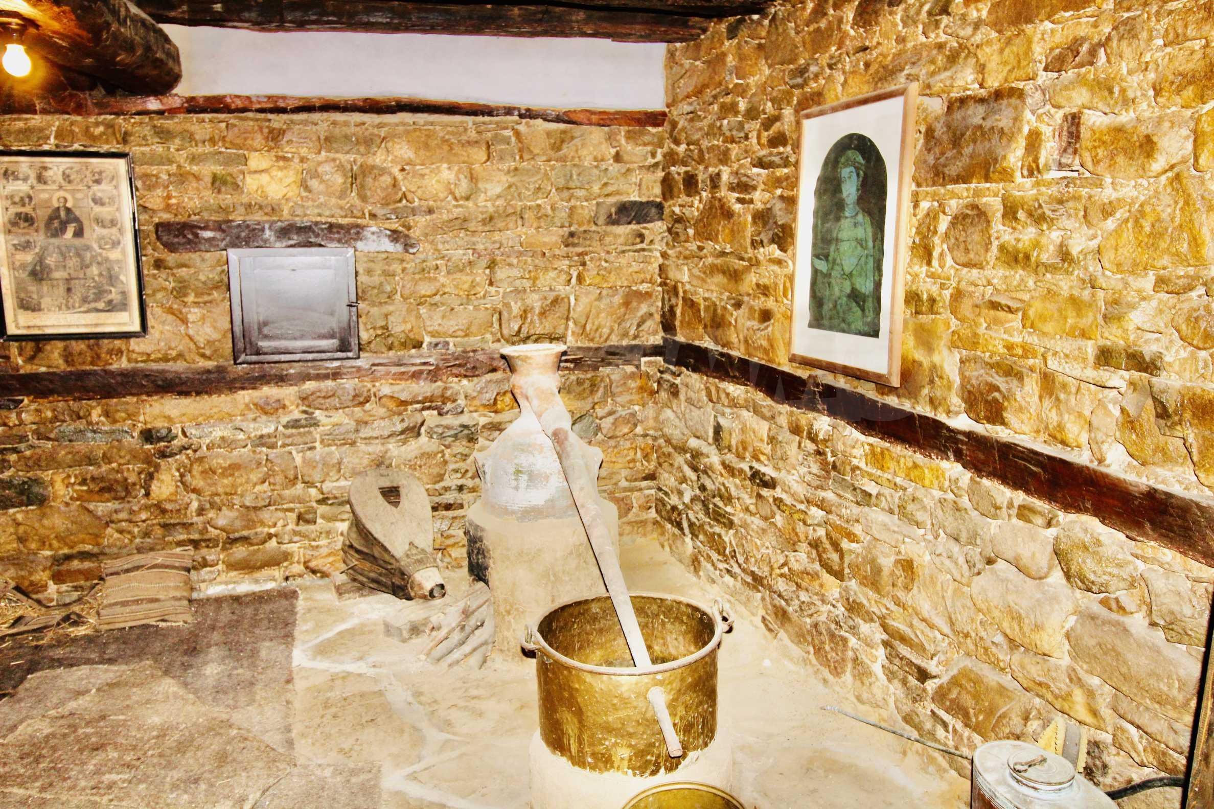 Einzigartige Renaissancehäuser mit authentischem Weinkeller 30