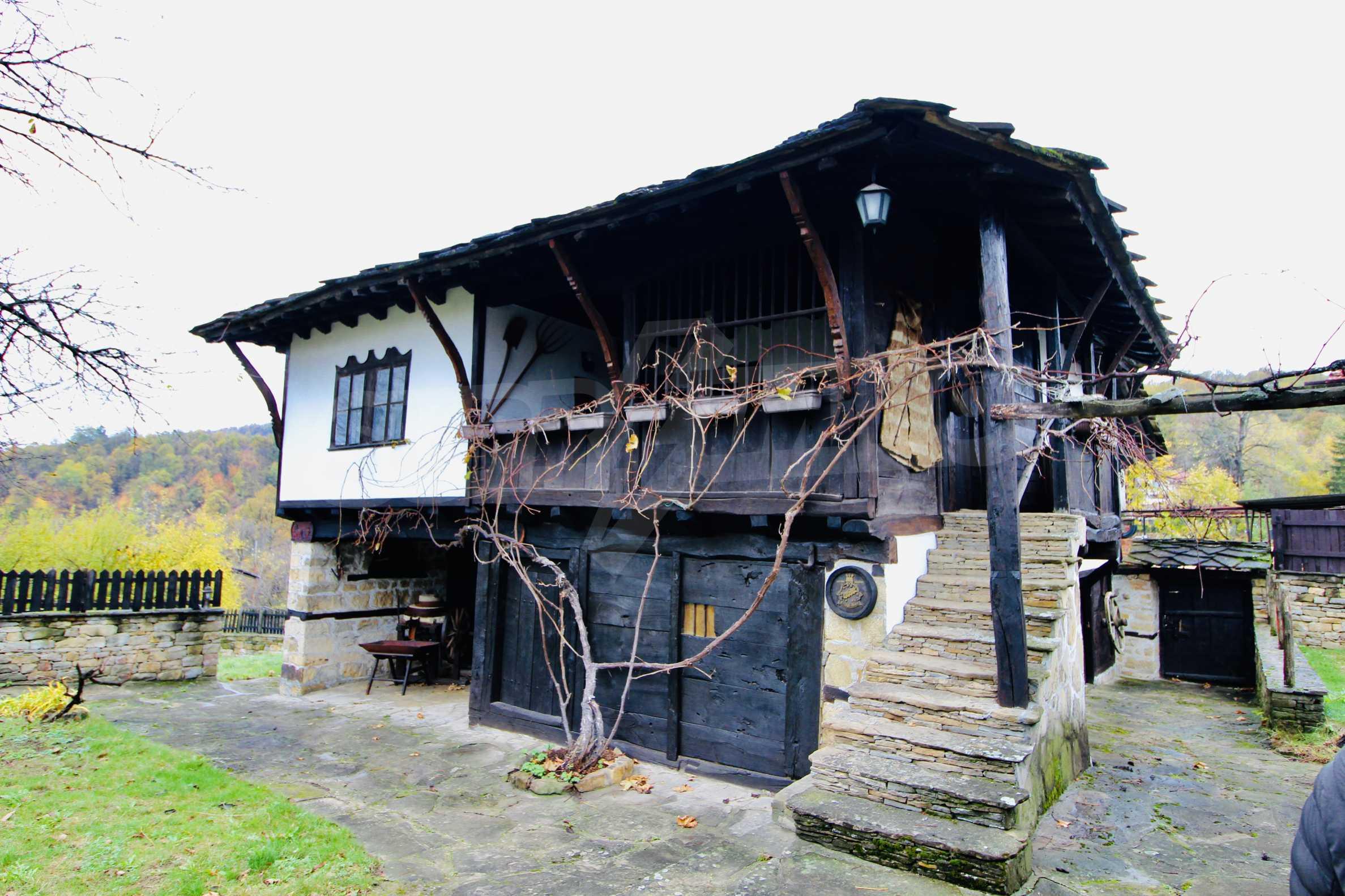 Einzigartige Renaissancehäuser mit authentischem Weinkeller 36