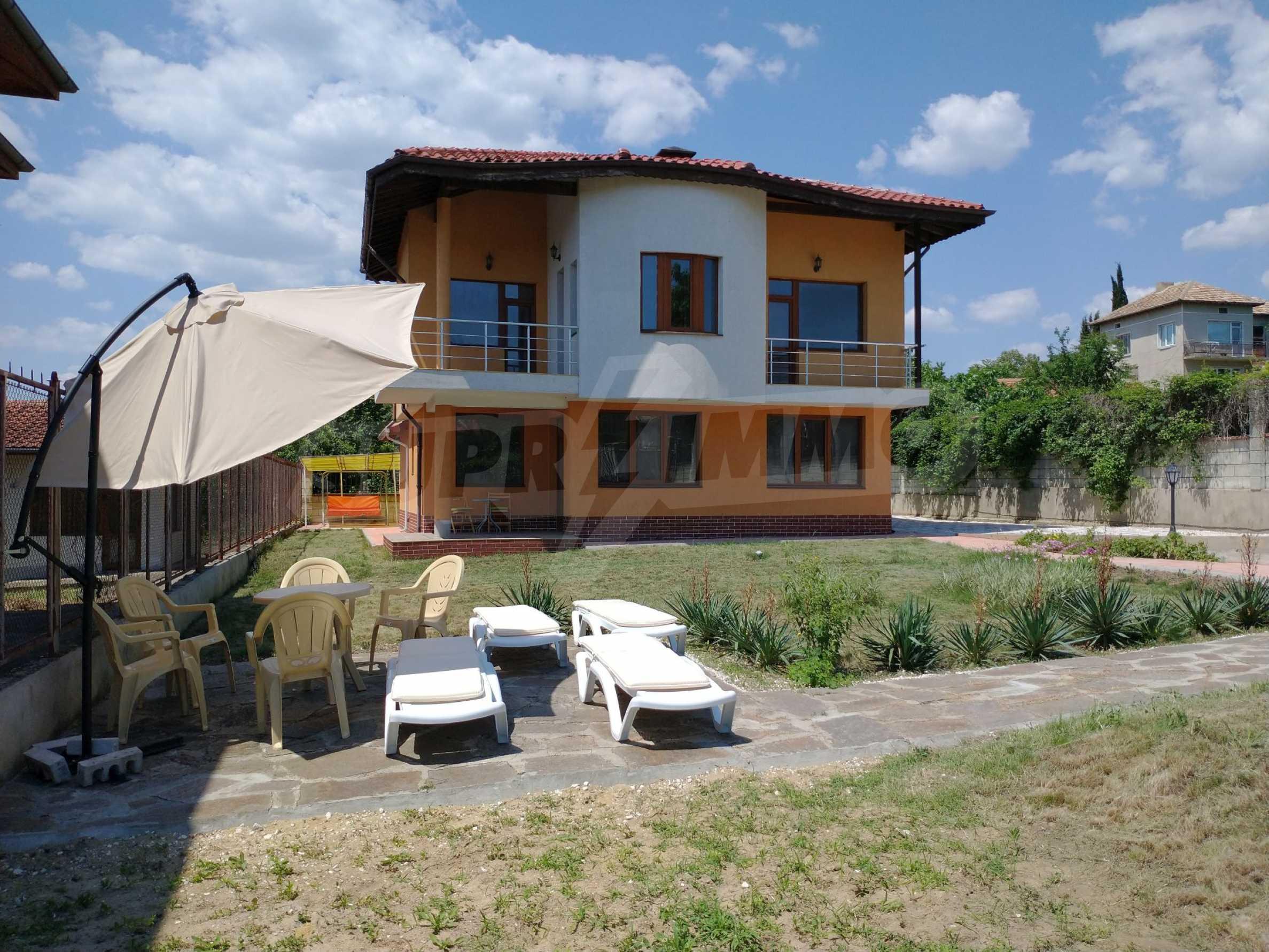 The Orange House 19