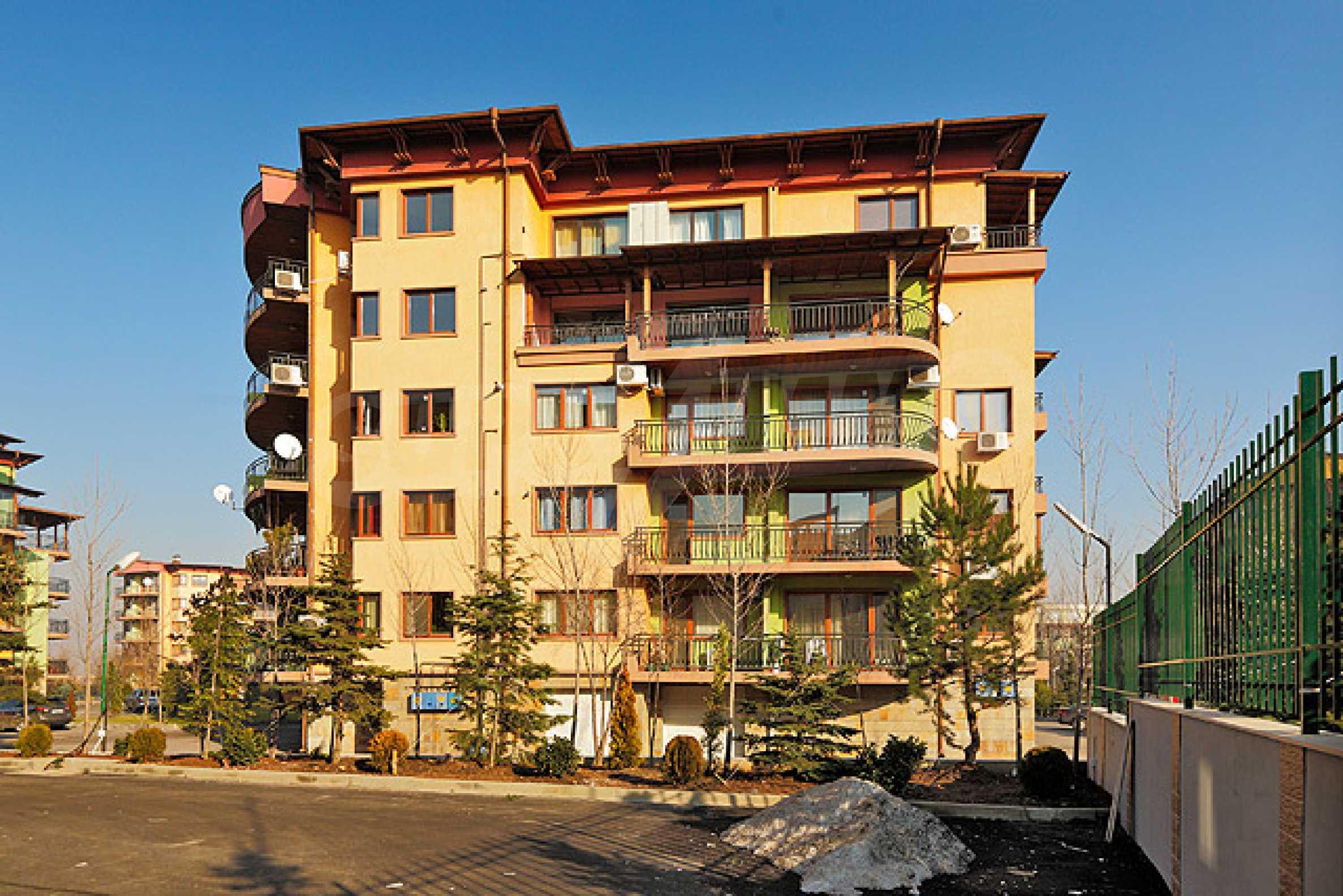 Луксозно обзаведен двустаен апартамент 31