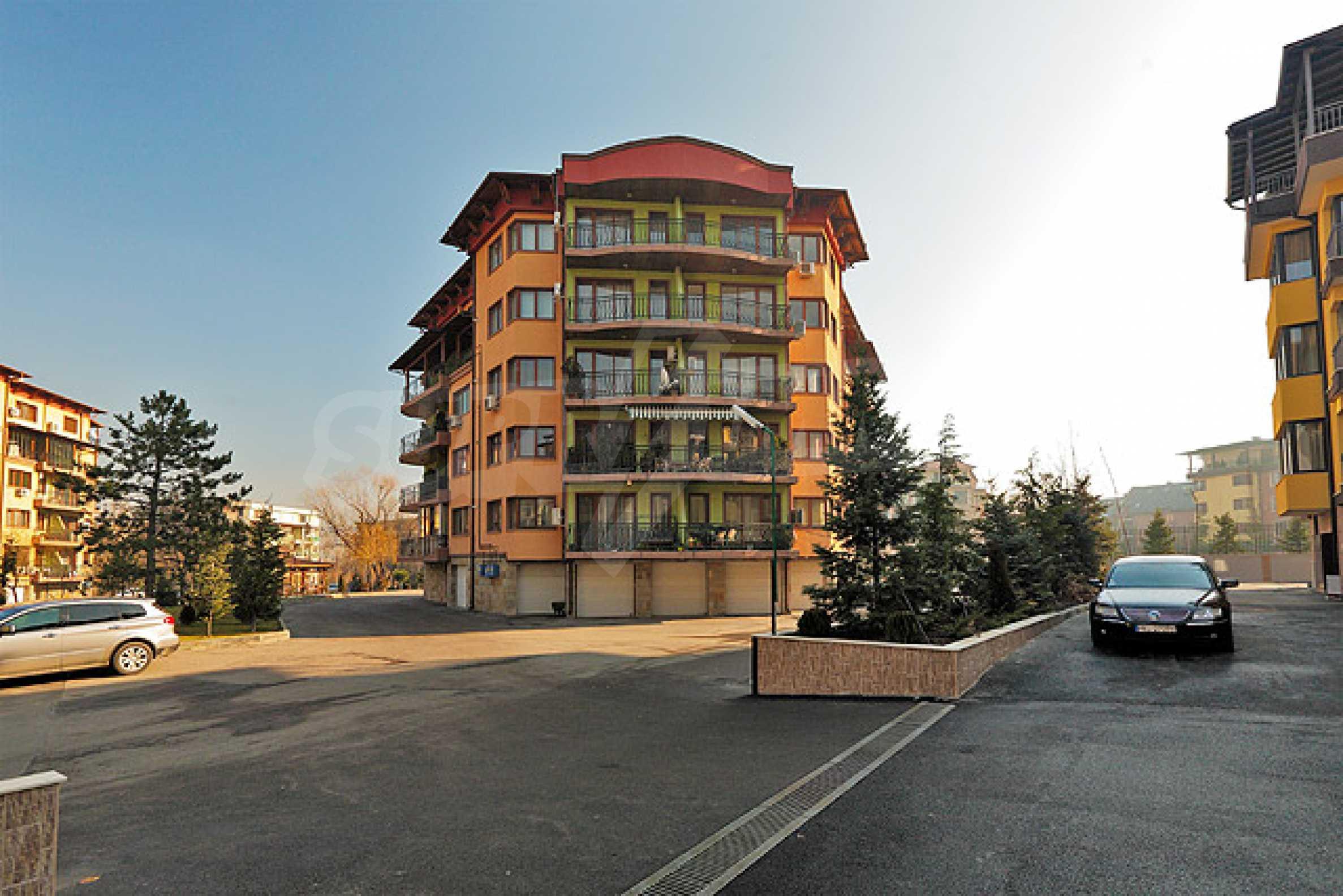Луксозно обзаведен двустаен апартамент 32