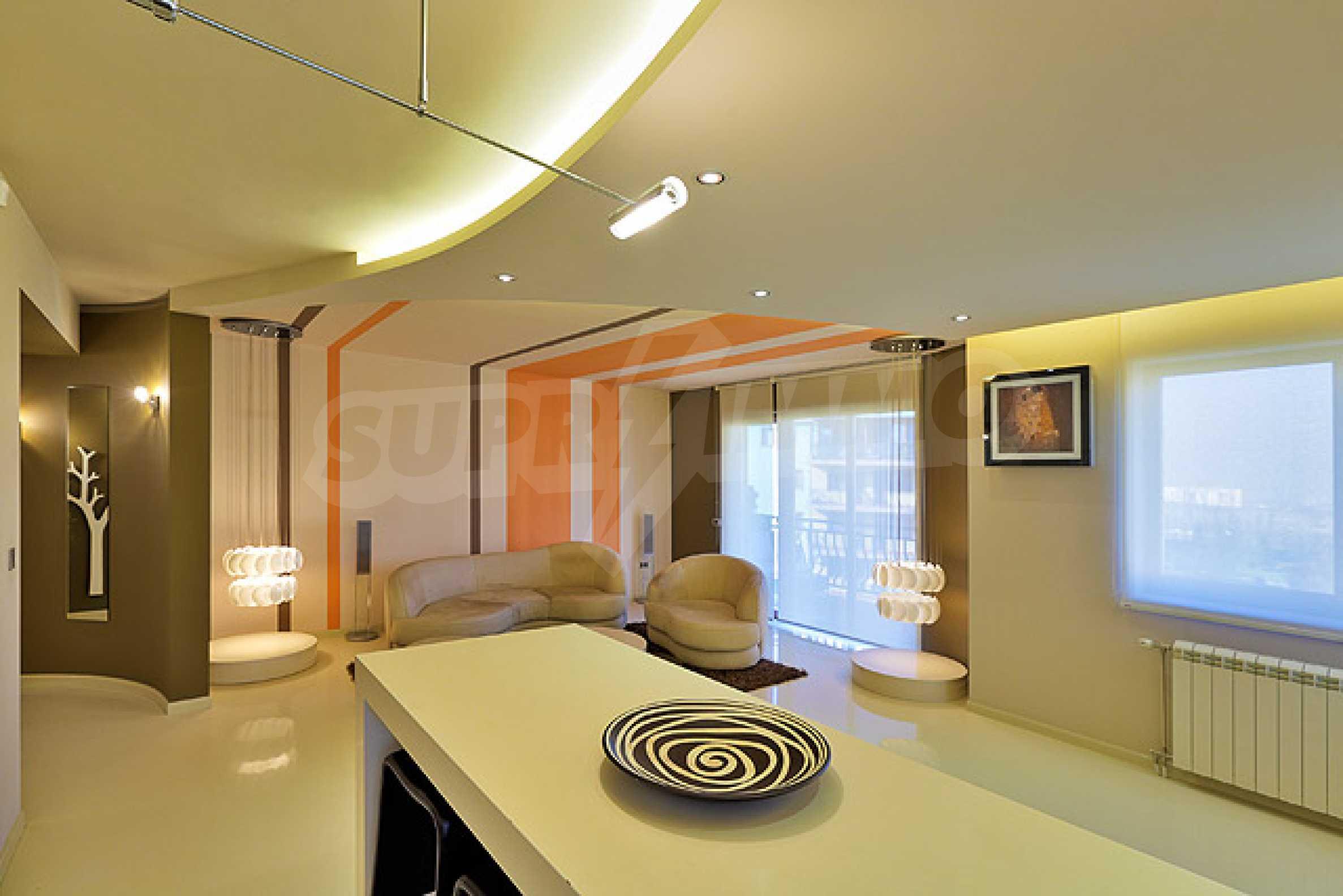 Луксозно обзаведен двустаен апартамент 3