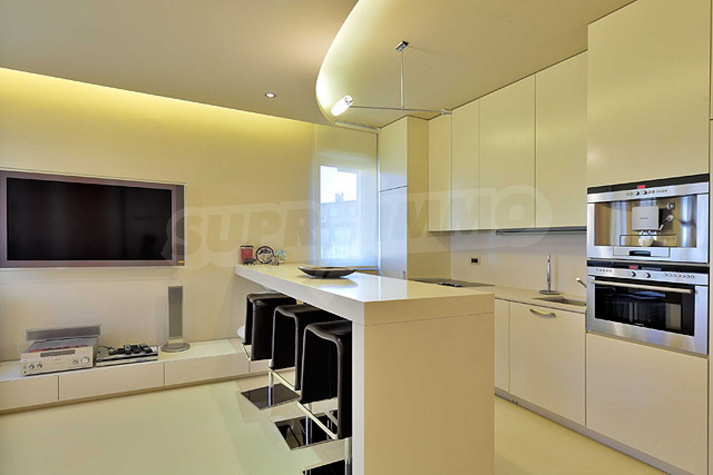 Луксозно обзаведен двустаен апартамент 4