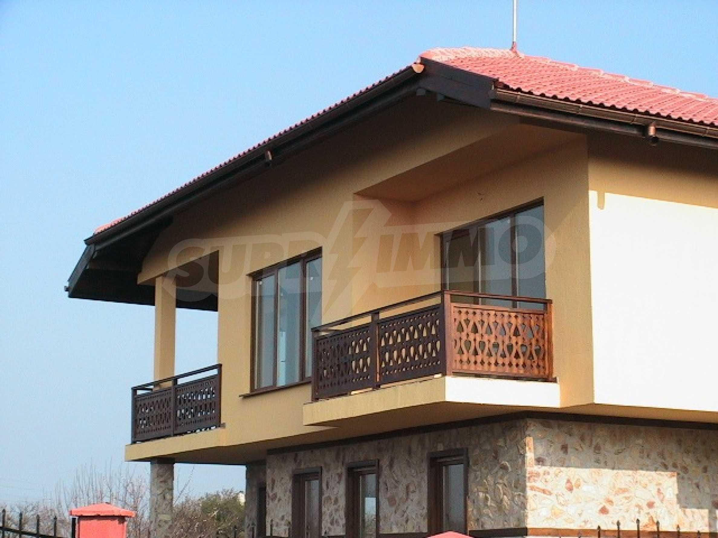Neues zweistöckiges Haus 5 km von Baltschik entfernt 2