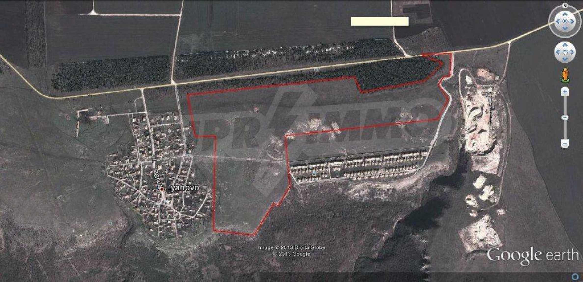 Großes Grundstück in Lyakhovo 1