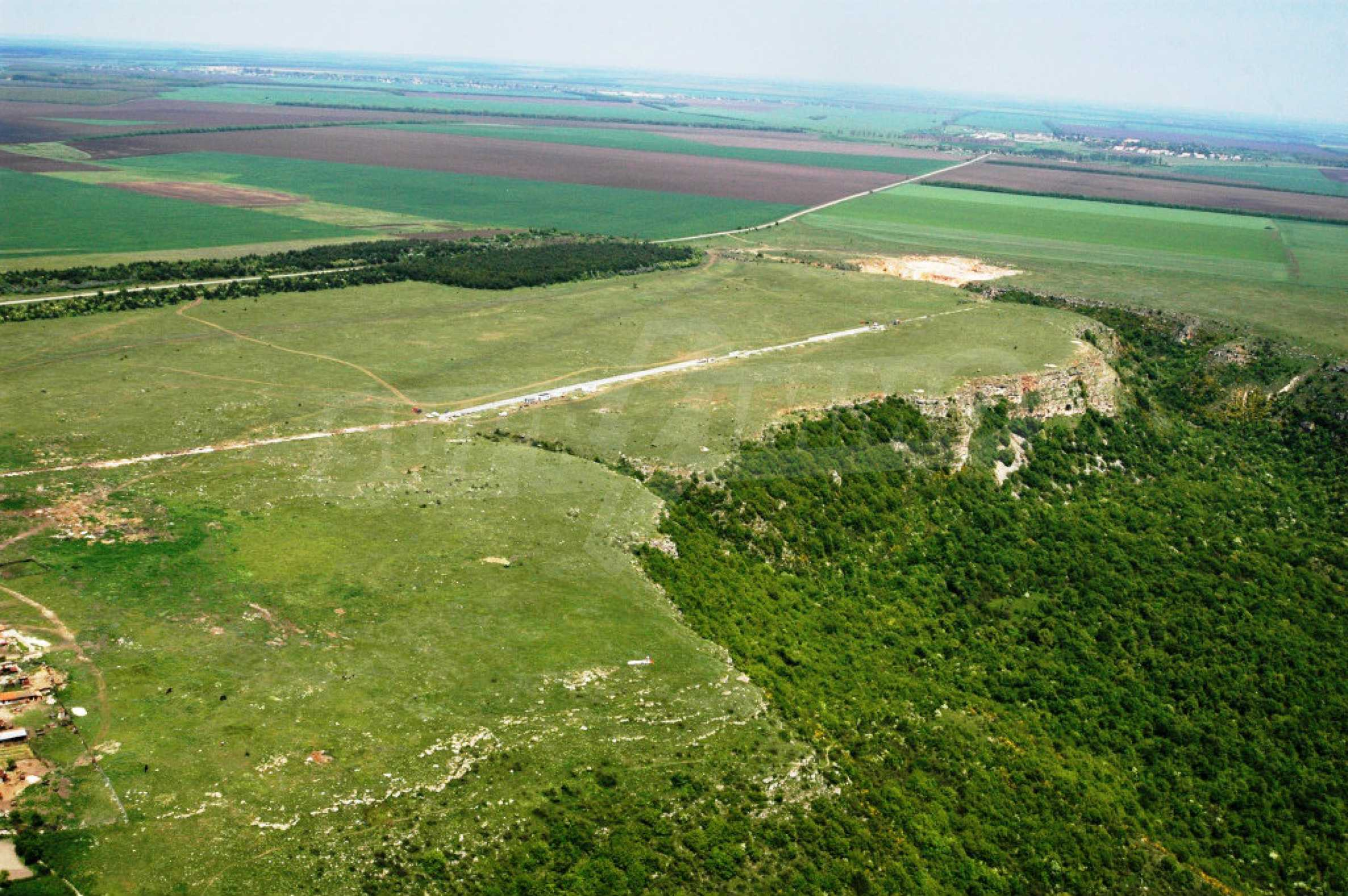 Großes Grundstück in Lyakhovo 5