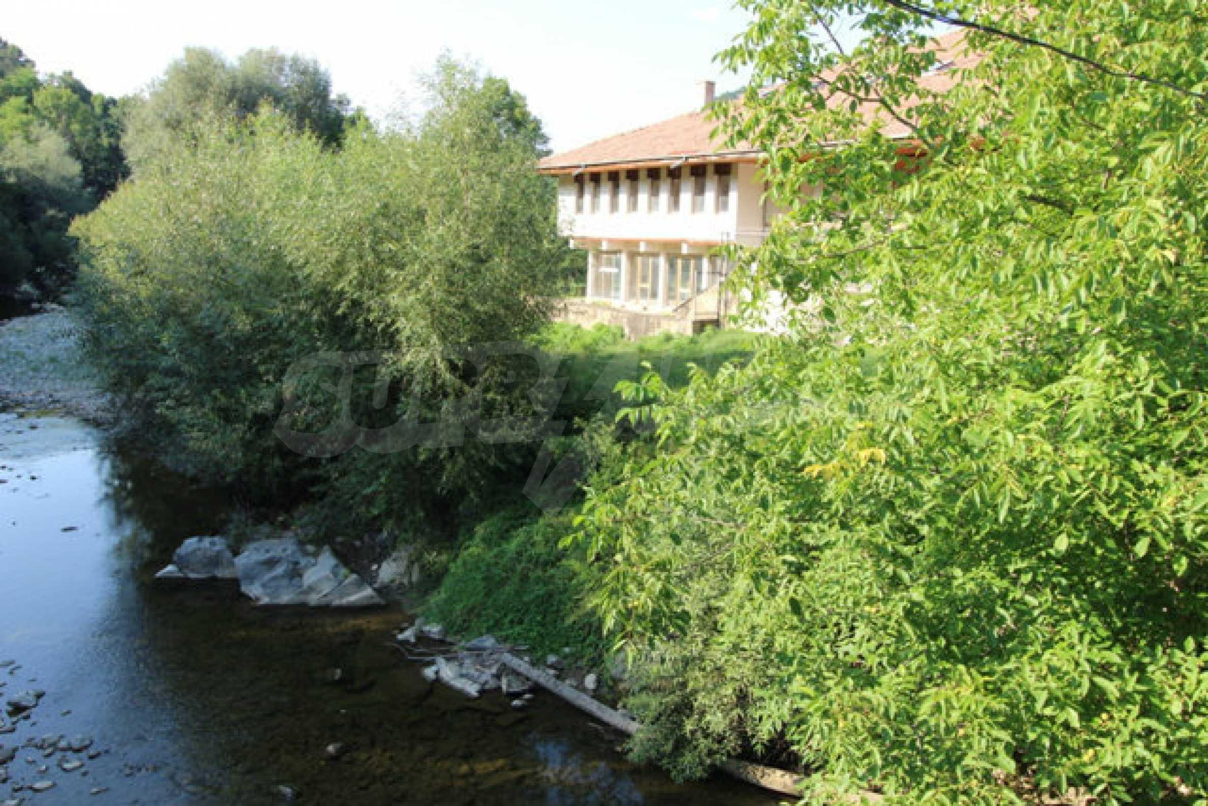 Hotel zum Verkauf in der Nähe von Veliko Tarnovo 16