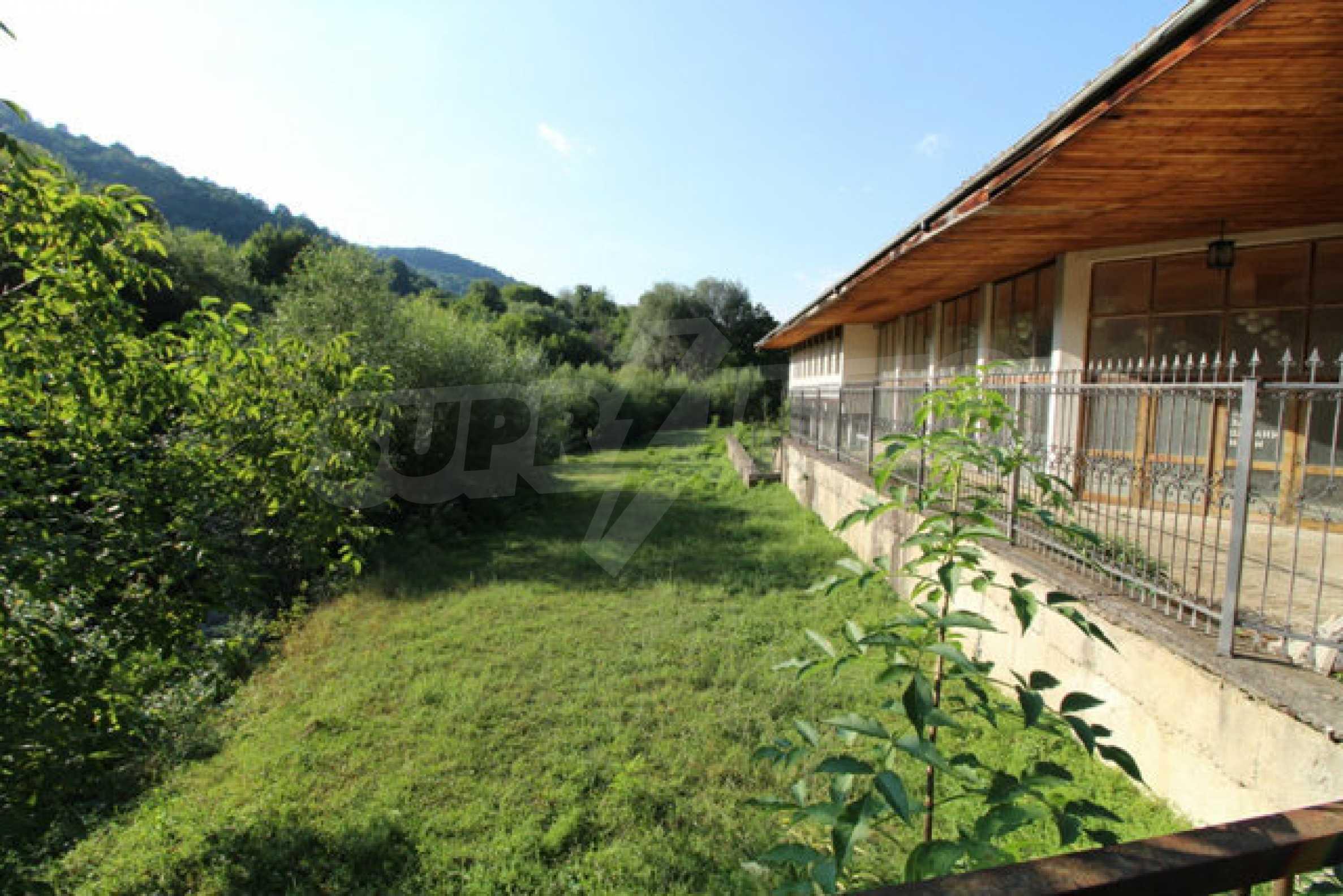 Hotel zum Verkauf in der Nähe von Veliko Tarnovo 3