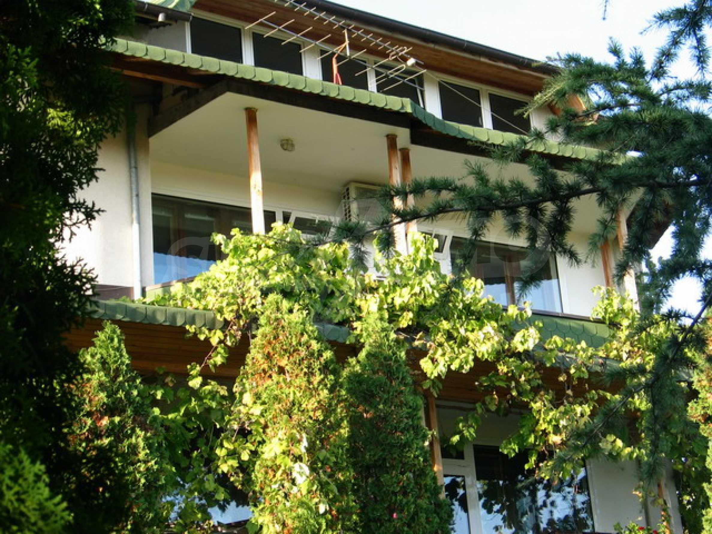 Schönes Haus mit Pool 10