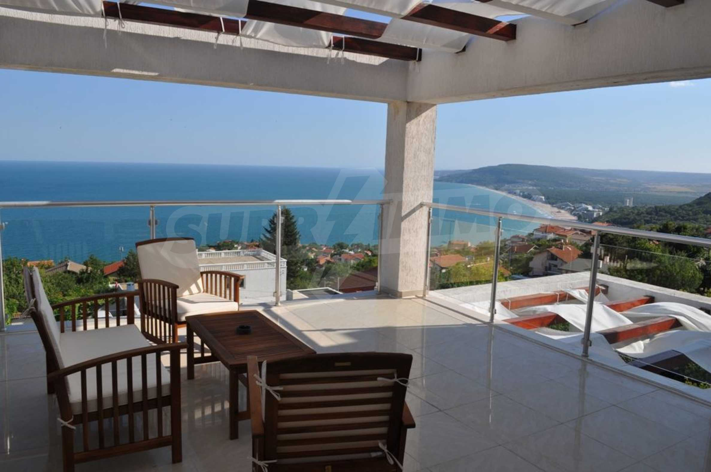 Luxury villa with 4 bedrooms for rent in Albena area  19