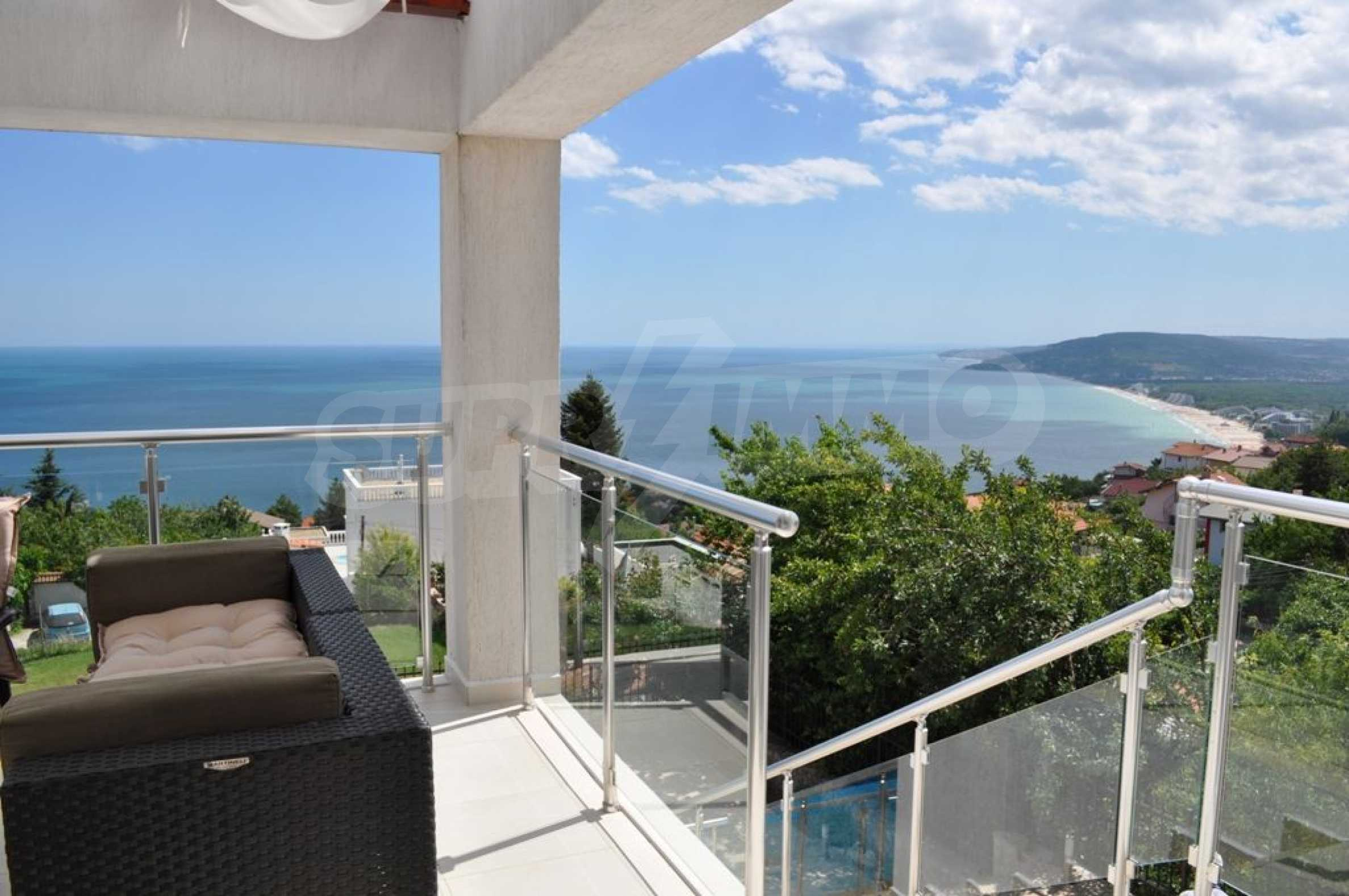 Luxury villa with 4 bedrooms for rent in Albena area  23