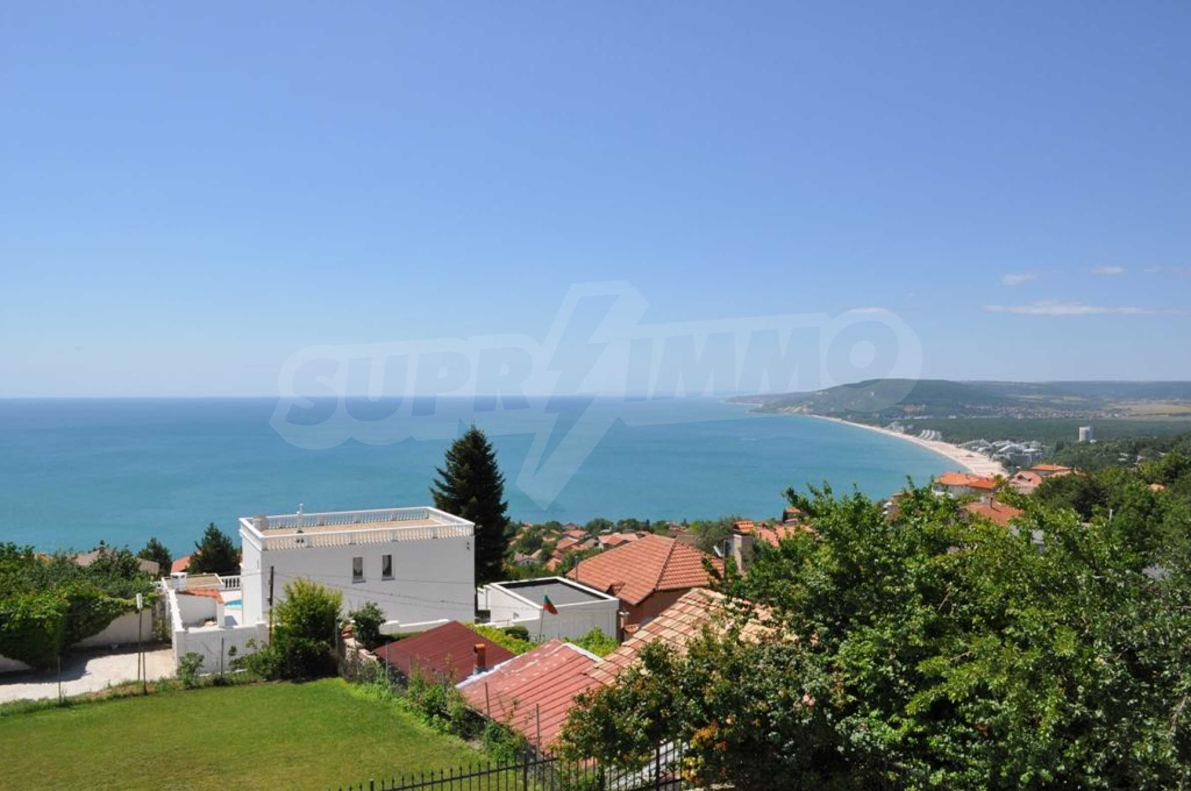 Luxury villa with 4 bedrooms for rent in Albena area  2