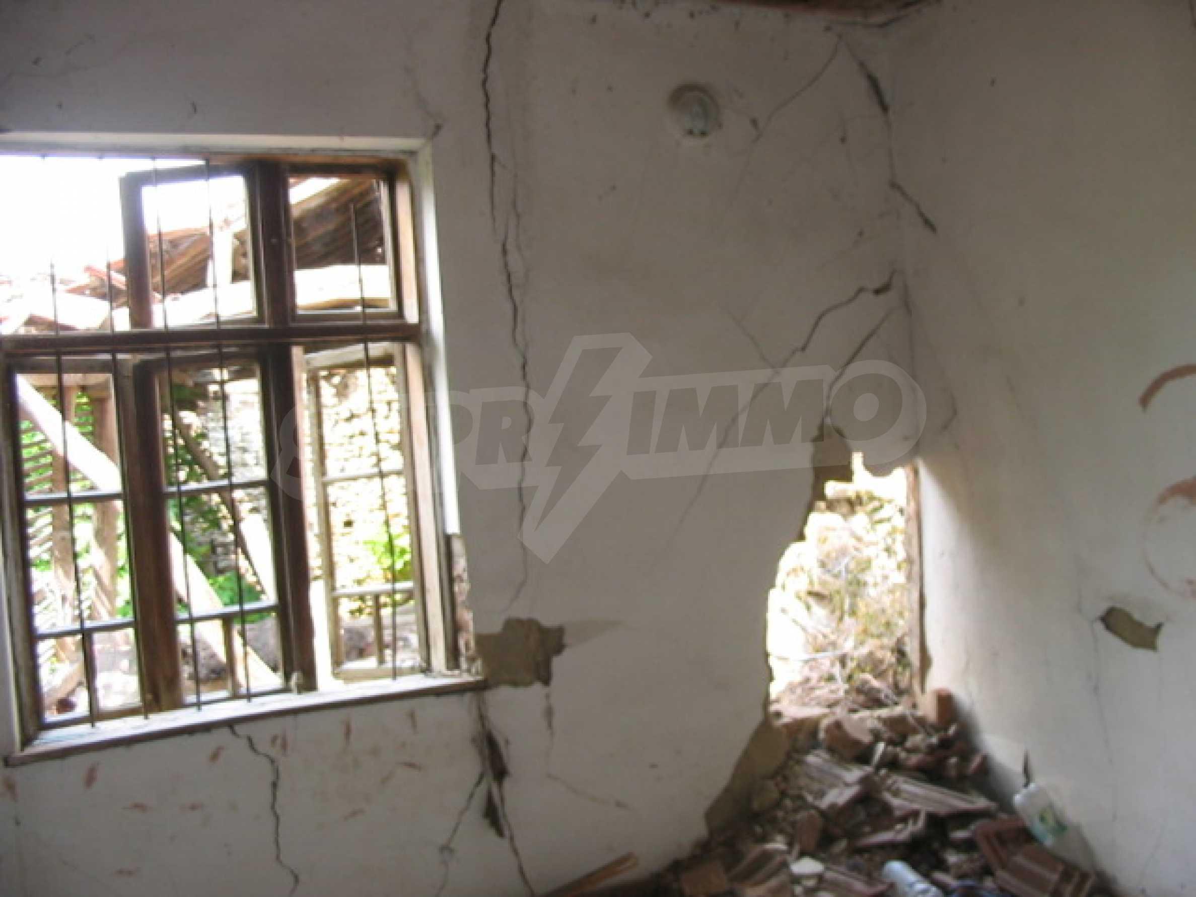 Zweistöckiges Haus mit Hof in einem Dorf, 38 km von Veliko Tarnovo entfernt 4