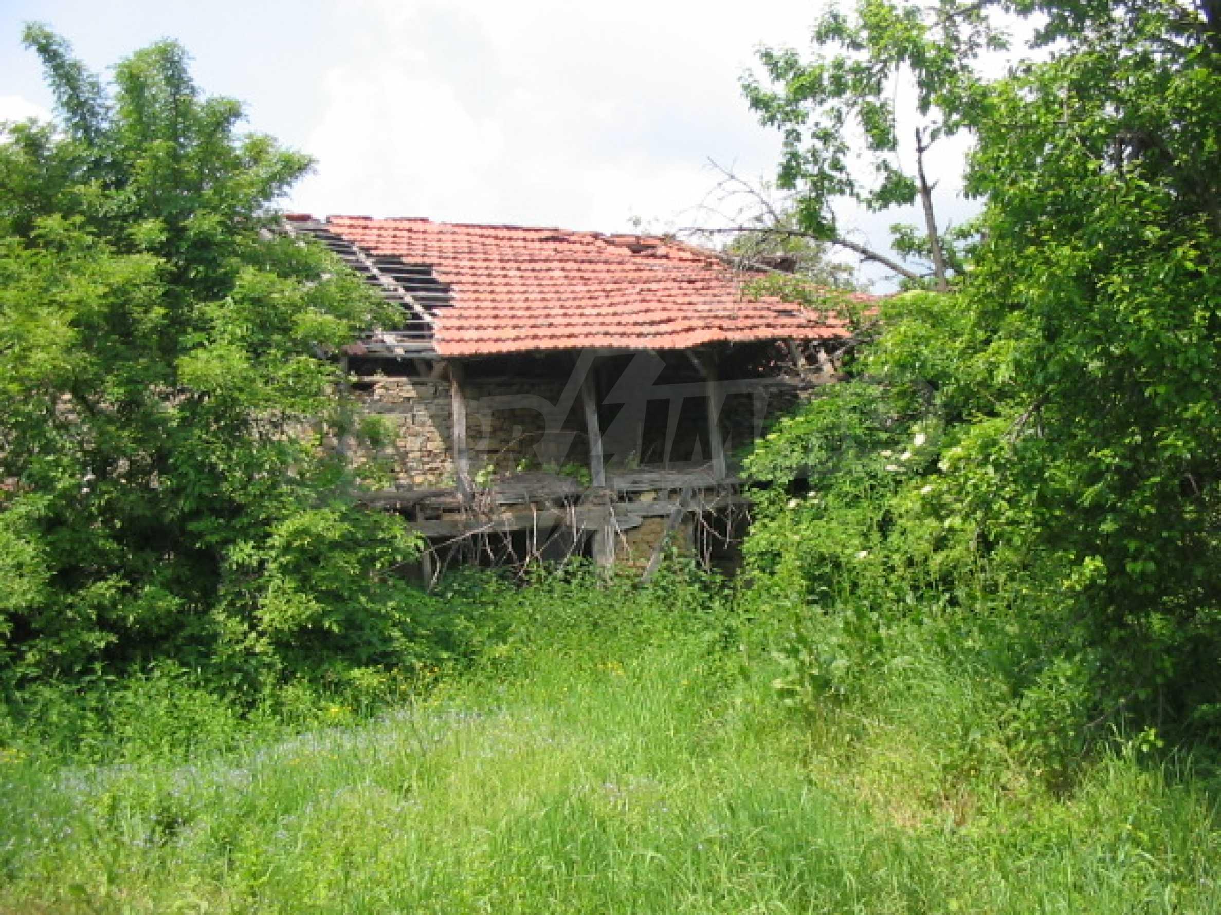 Zweistöckiges Haus mit Hof in einem Dorf, 38 km von Veliko Tarnovo entfernt 5