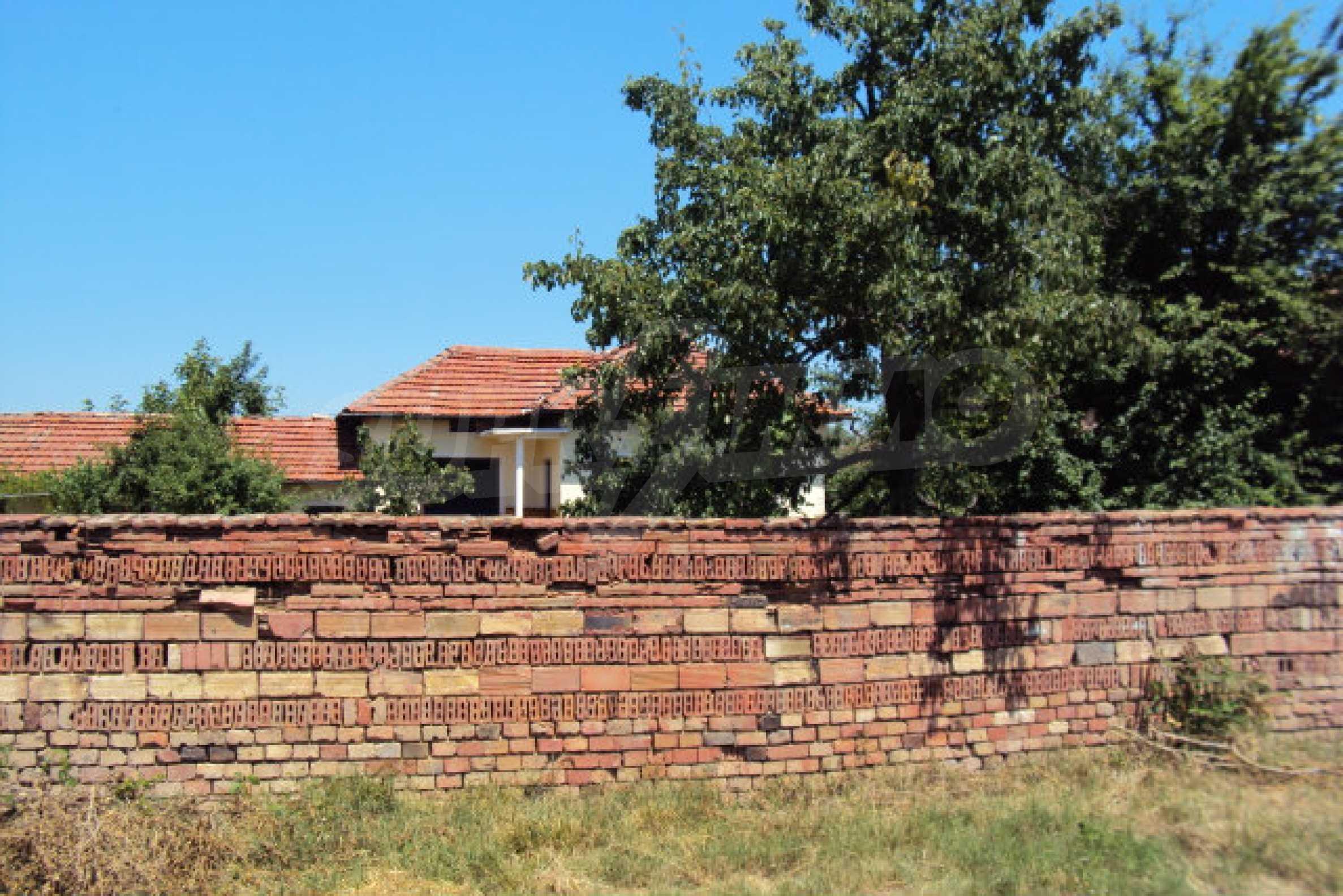 Едноетажна къща в село Бутово 10