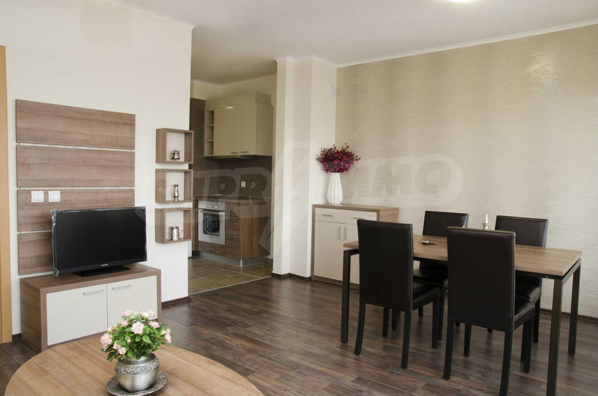 Luxus-Apartment mit einem Schlafzimmer im Royal City Complex