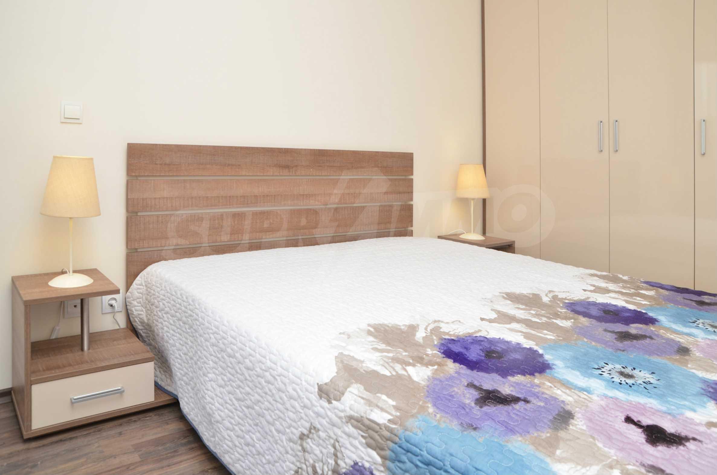 Luxus-Apartment mit einem Schlafzimmer im Royal City Complex 4