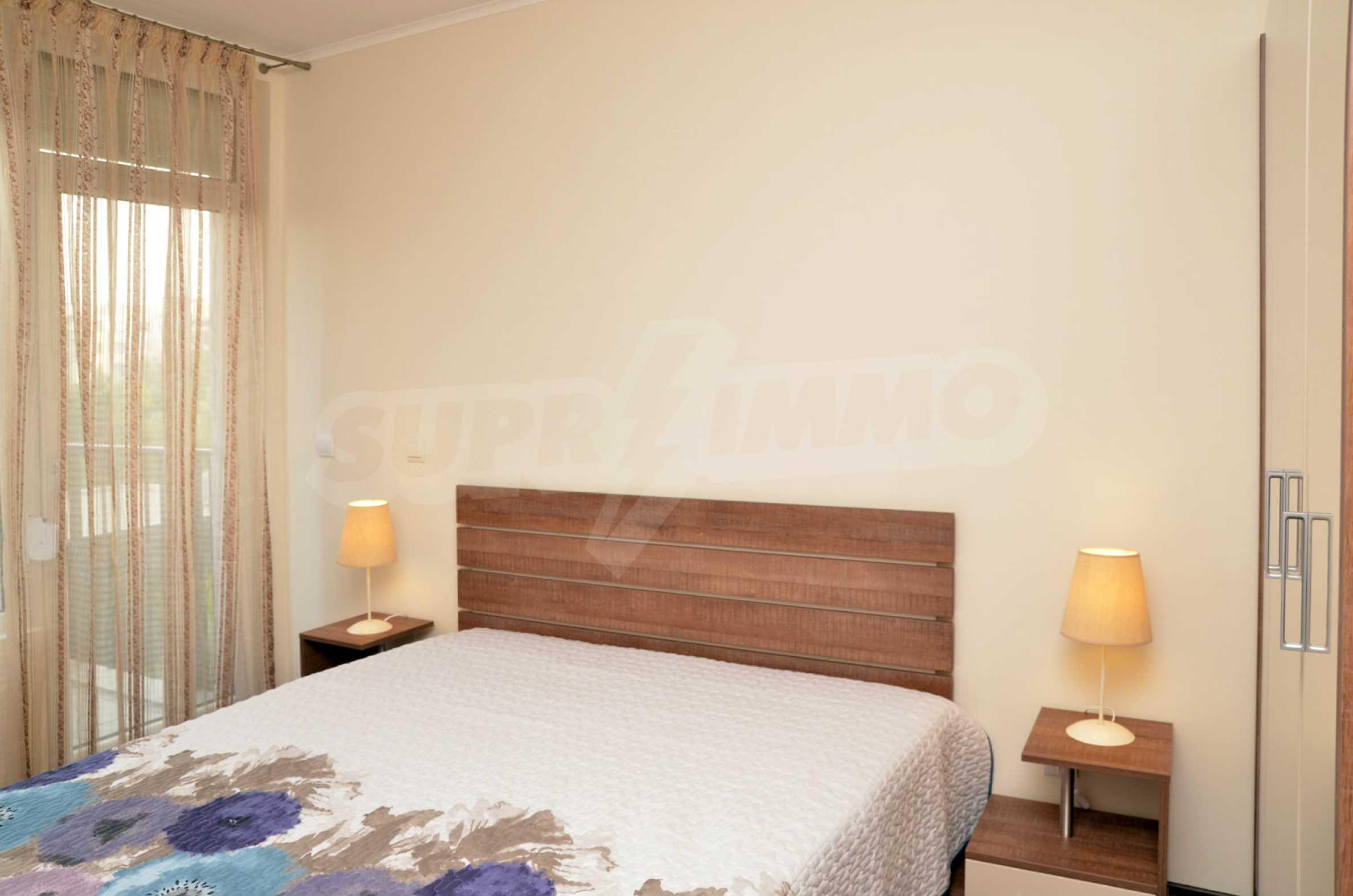 Luxus-Apartment mit einem Schlafzimmer im Royal City Complex 5