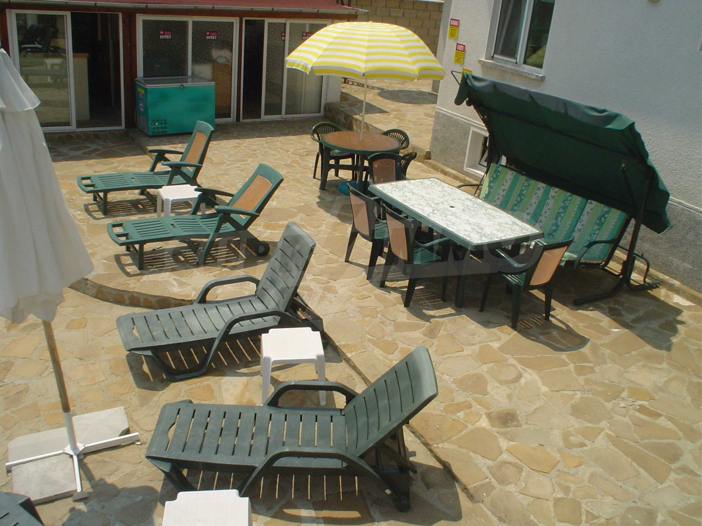 Nice guest house with pool and bar 5