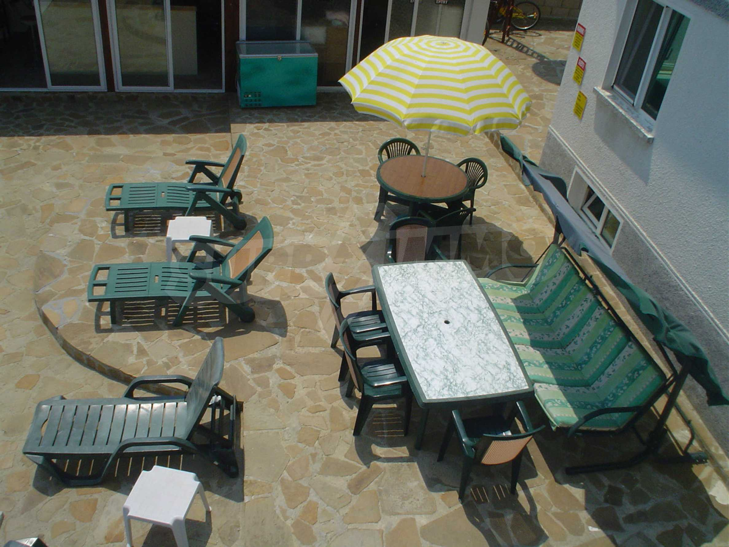 Nice guest house with pool and bar 8