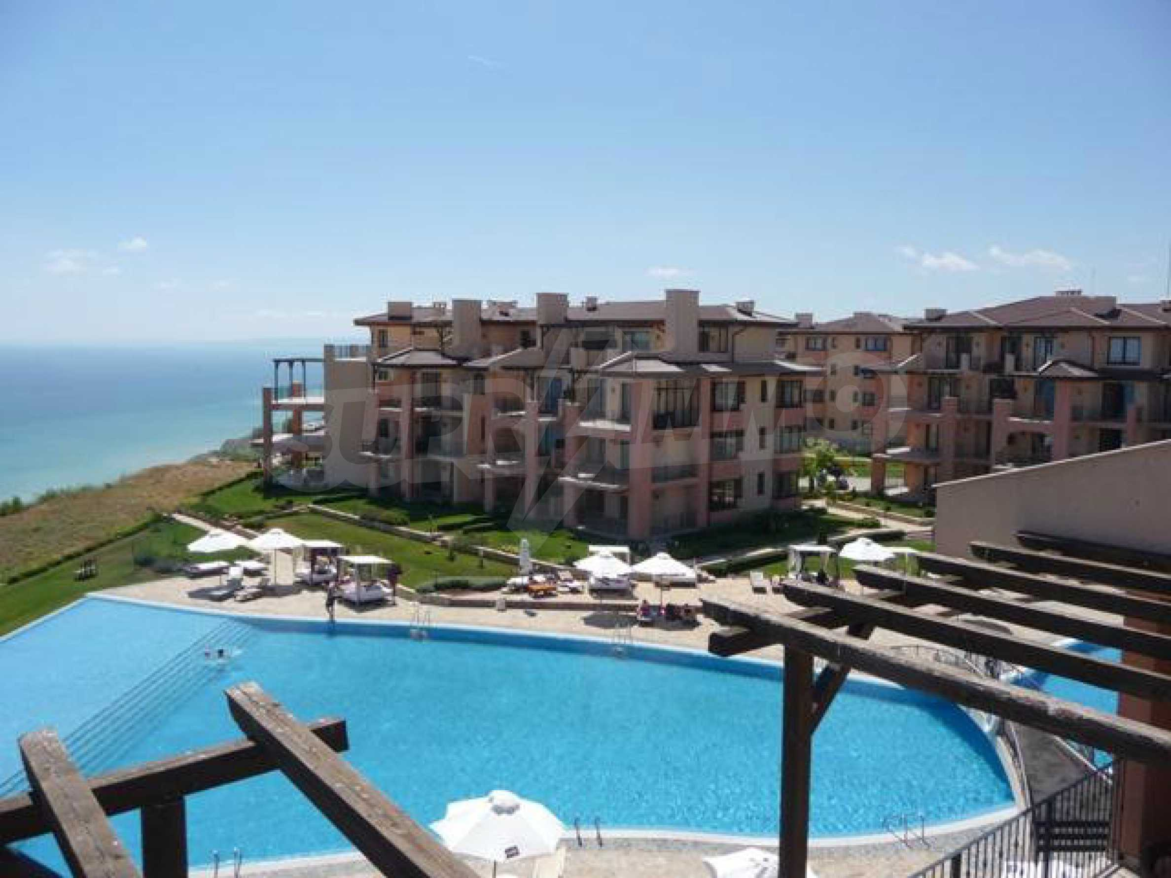 Large 2-bedroom apartment in Kaliakria complex