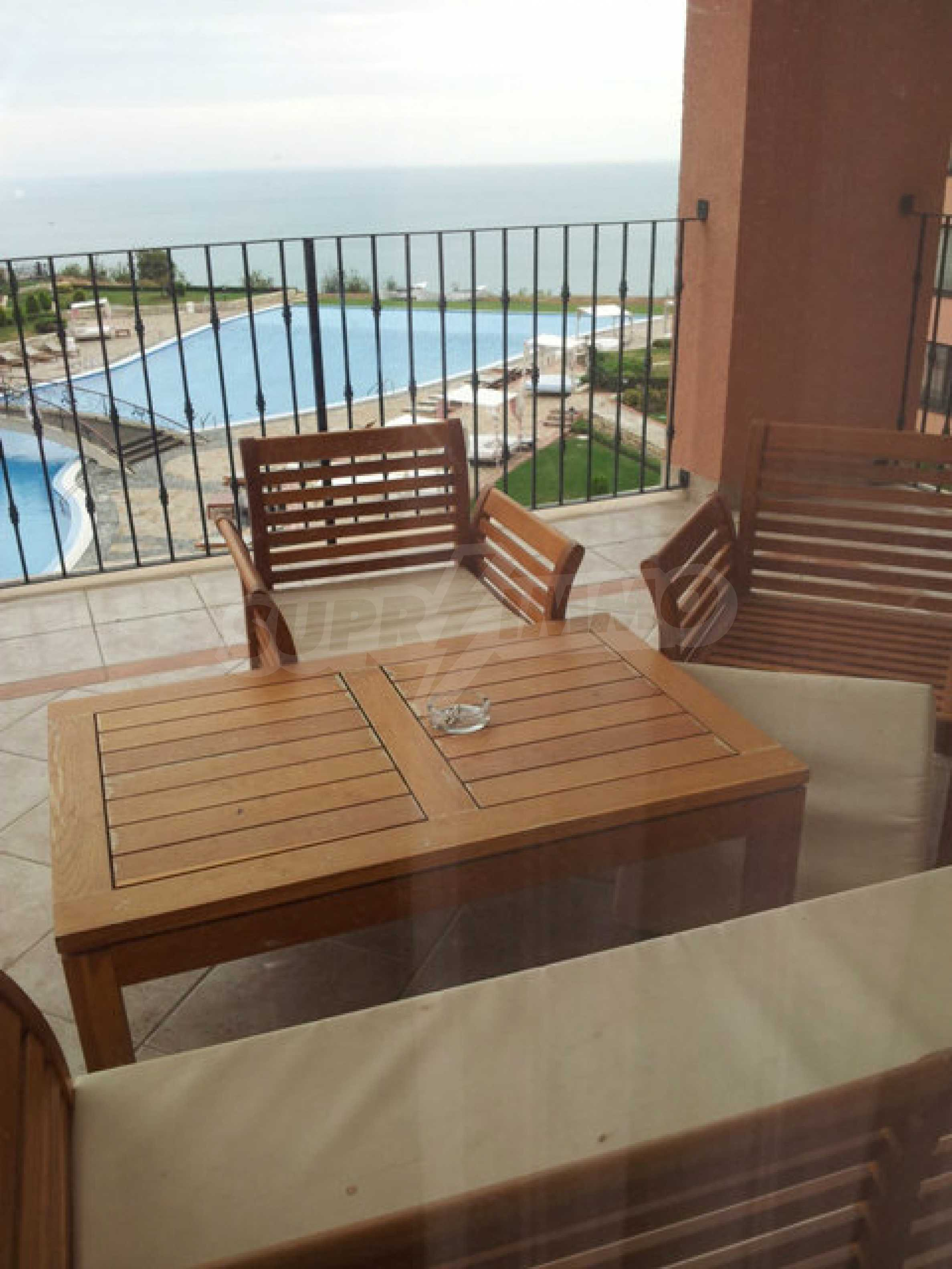 Large 2-bedroom apartment in Kaliakria complex 10