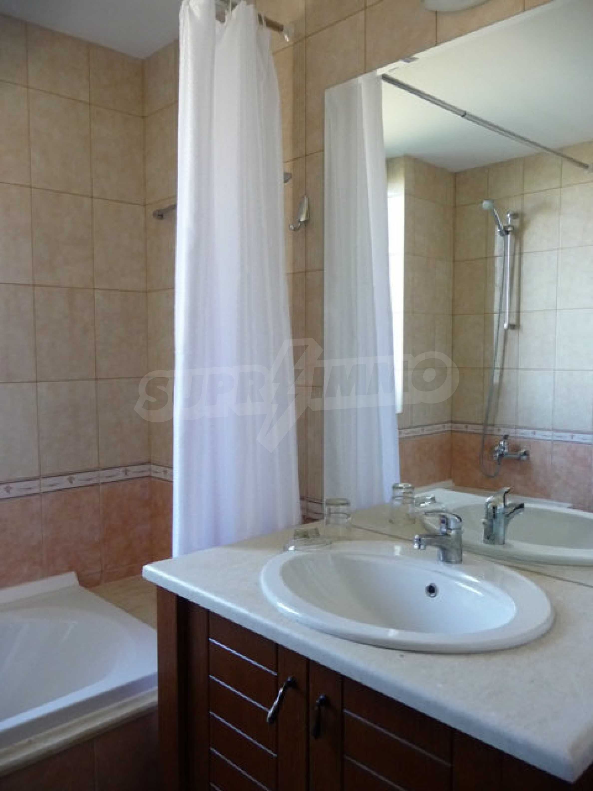 Large 2-bedroom apartment in Kaliakria complex 19