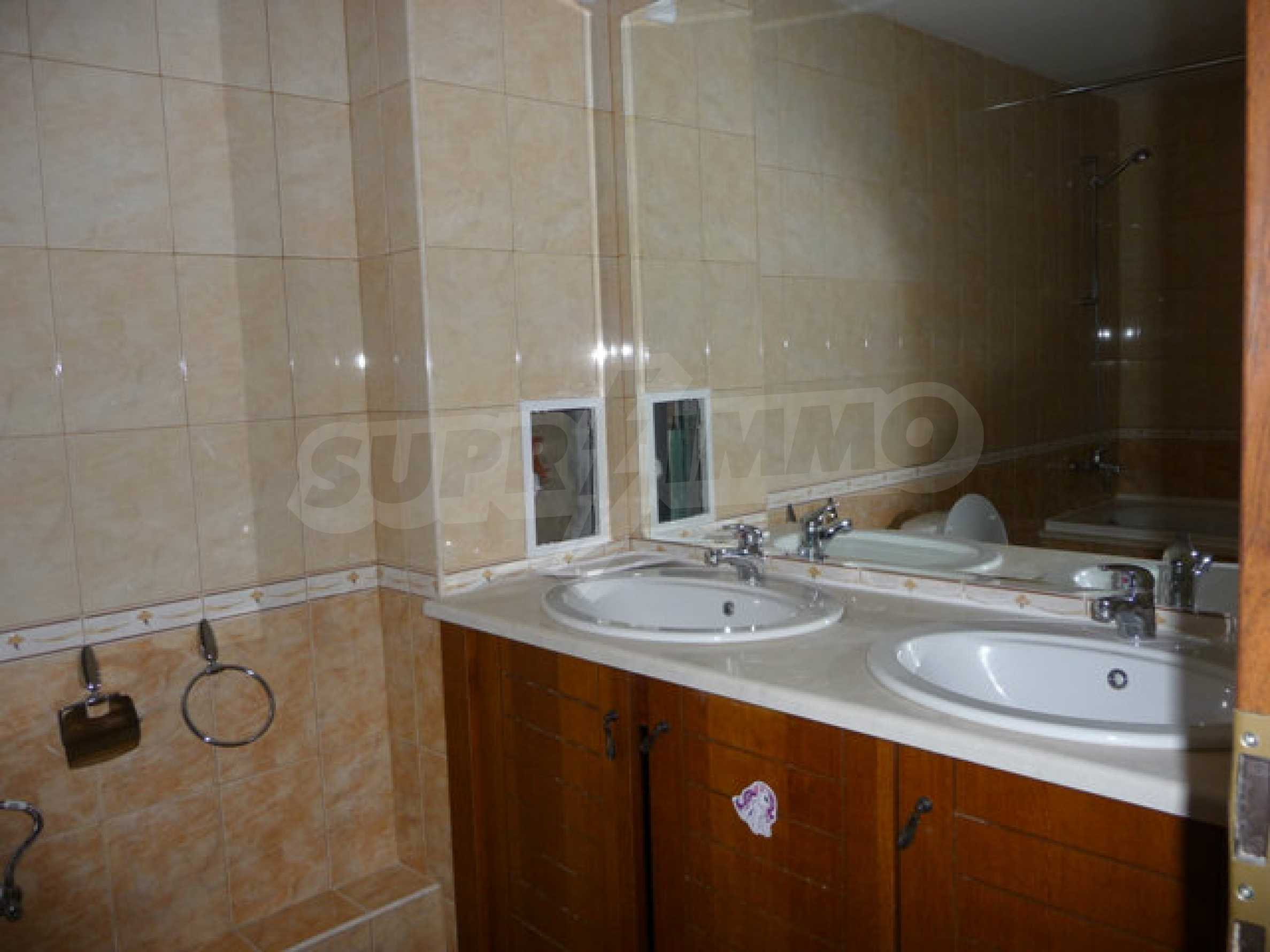 Large 2-bedroom apartment in Kaliakria complex 21