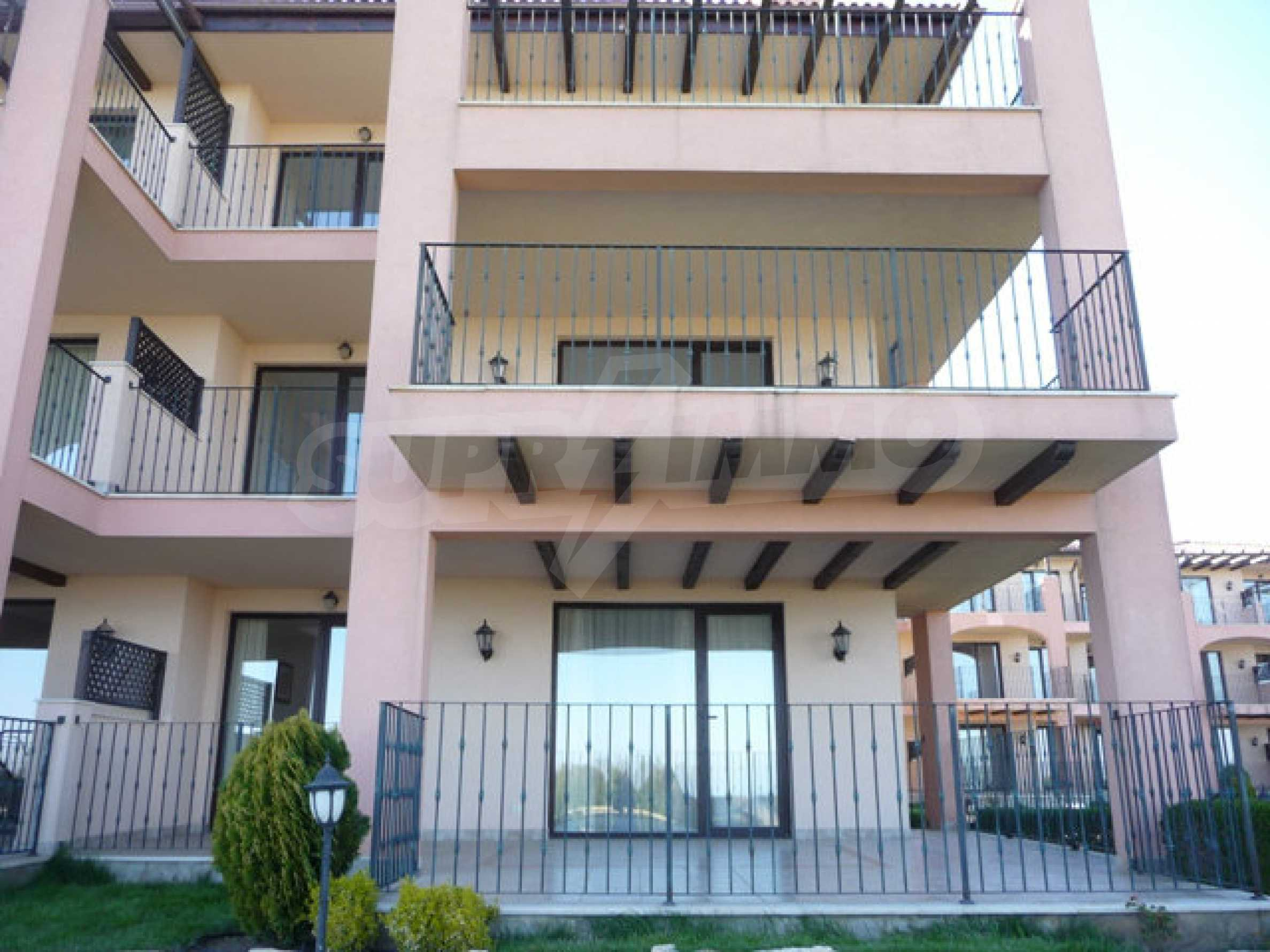 Large 2-bedroom apartment in Kaliakria complex 35