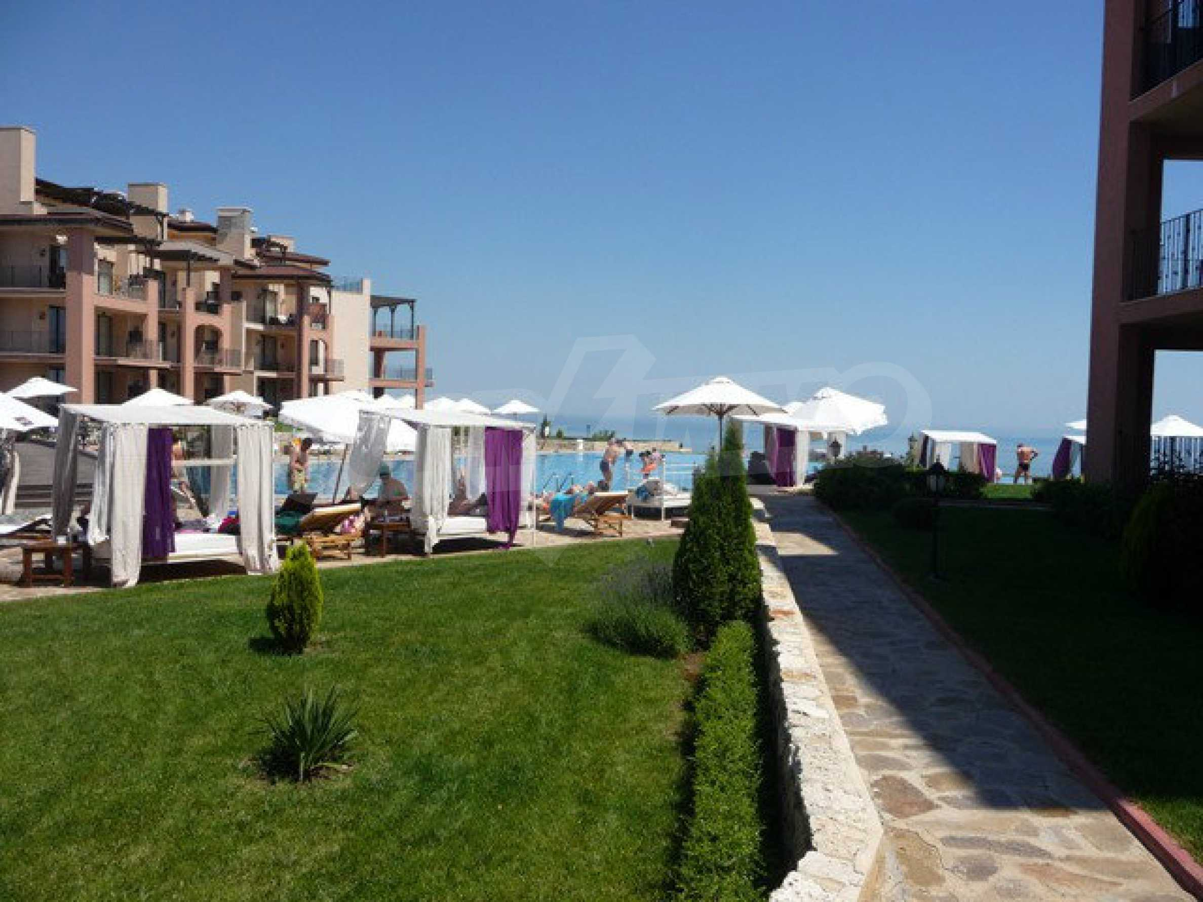 Large 2-bedroom apartment in Kaliakria complex 5