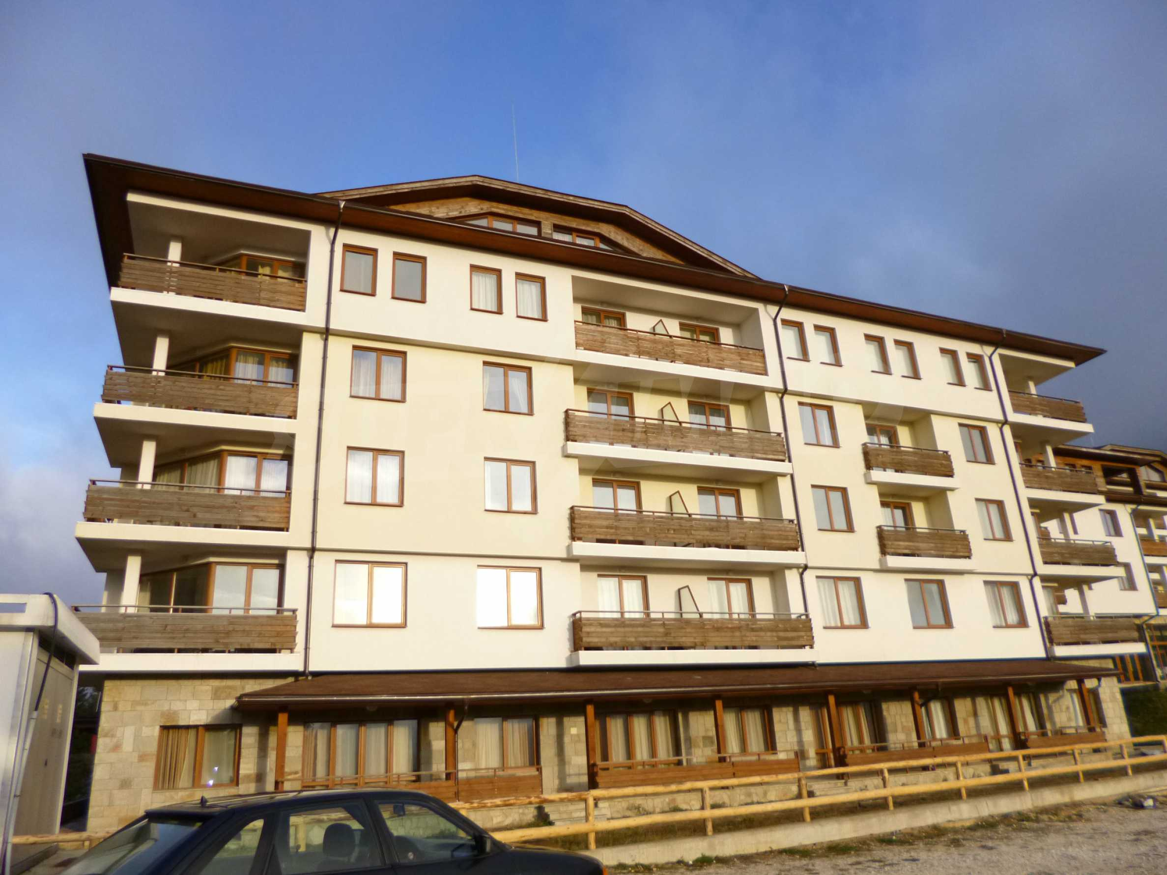 Top floor apartment in Pamporovo 2