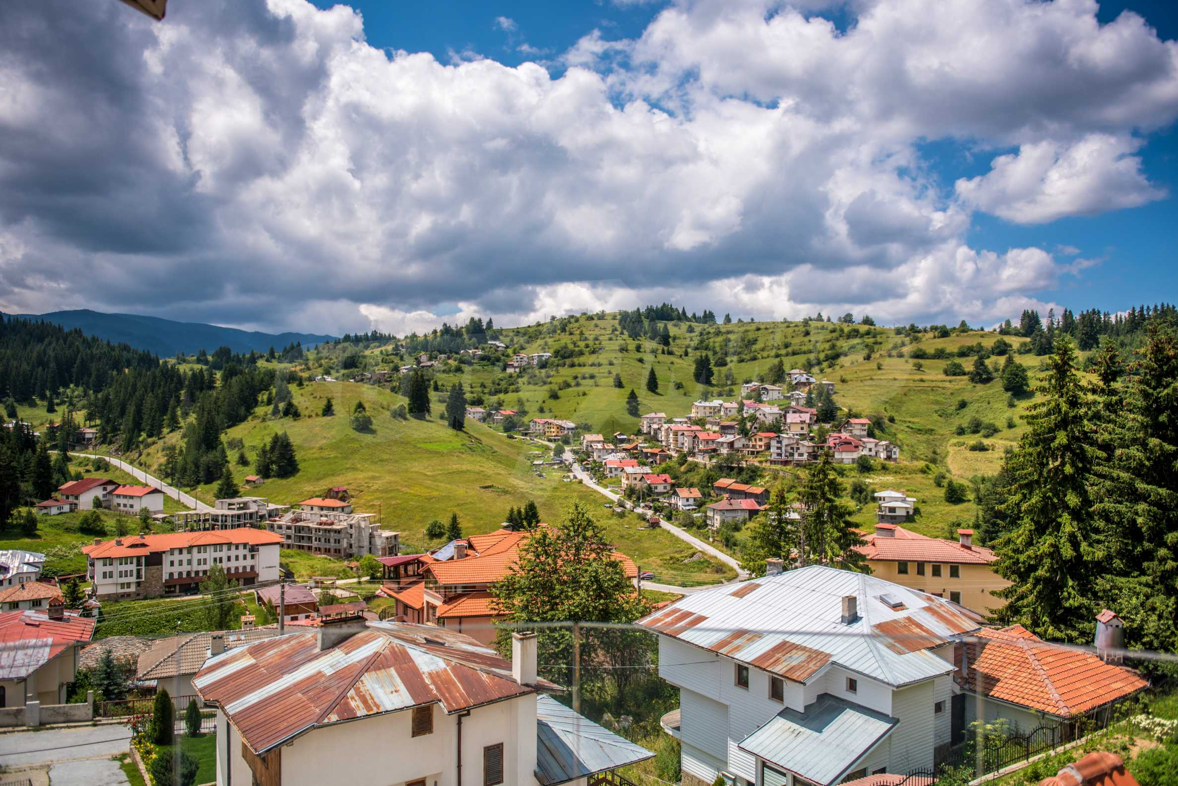 Luxus-Berghaus mit Garten in der Nähe von Pamporovo 2