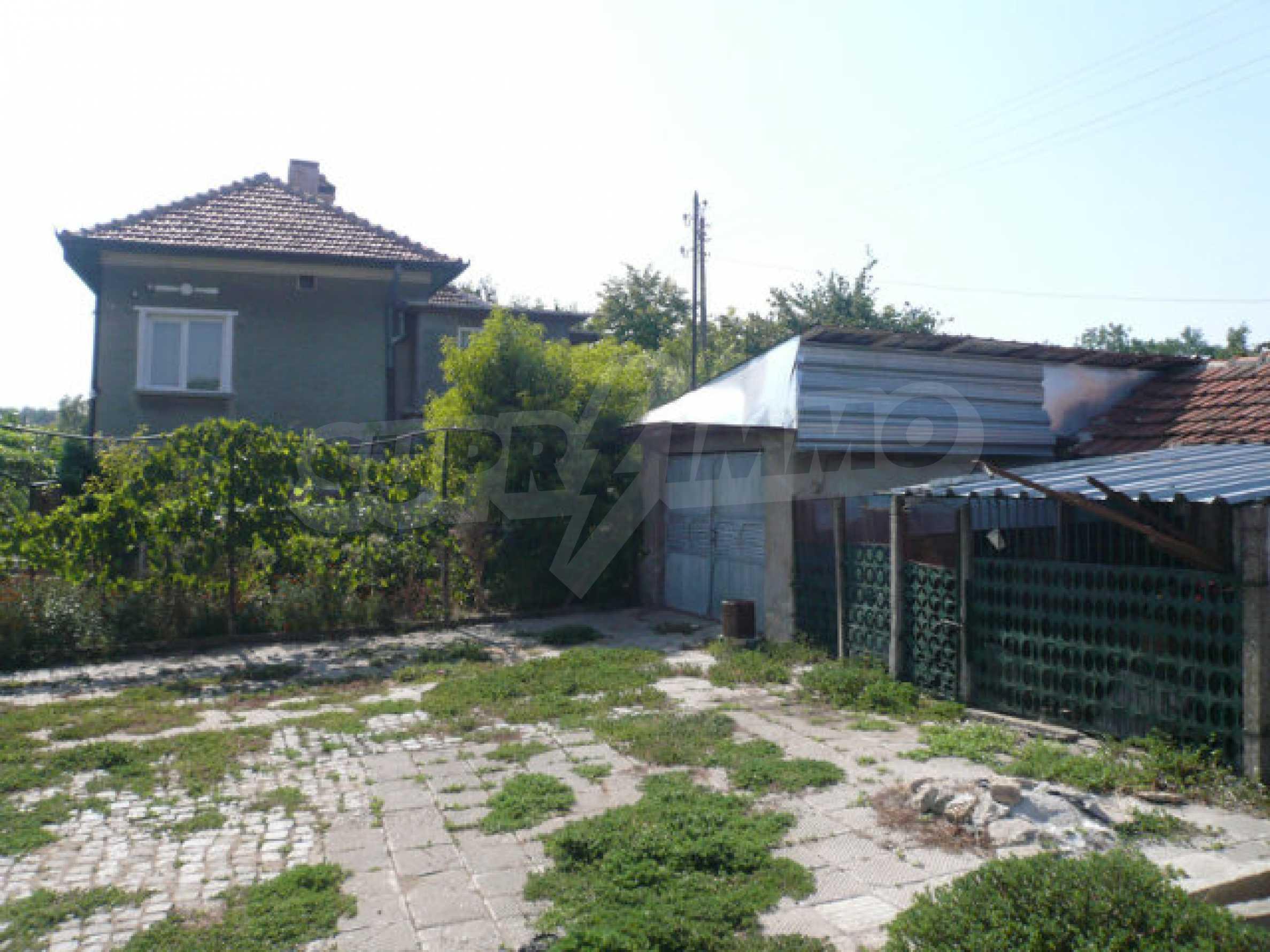 Schönes und solides zweistöckiges Landhaus in der Nähe von Vidin 2