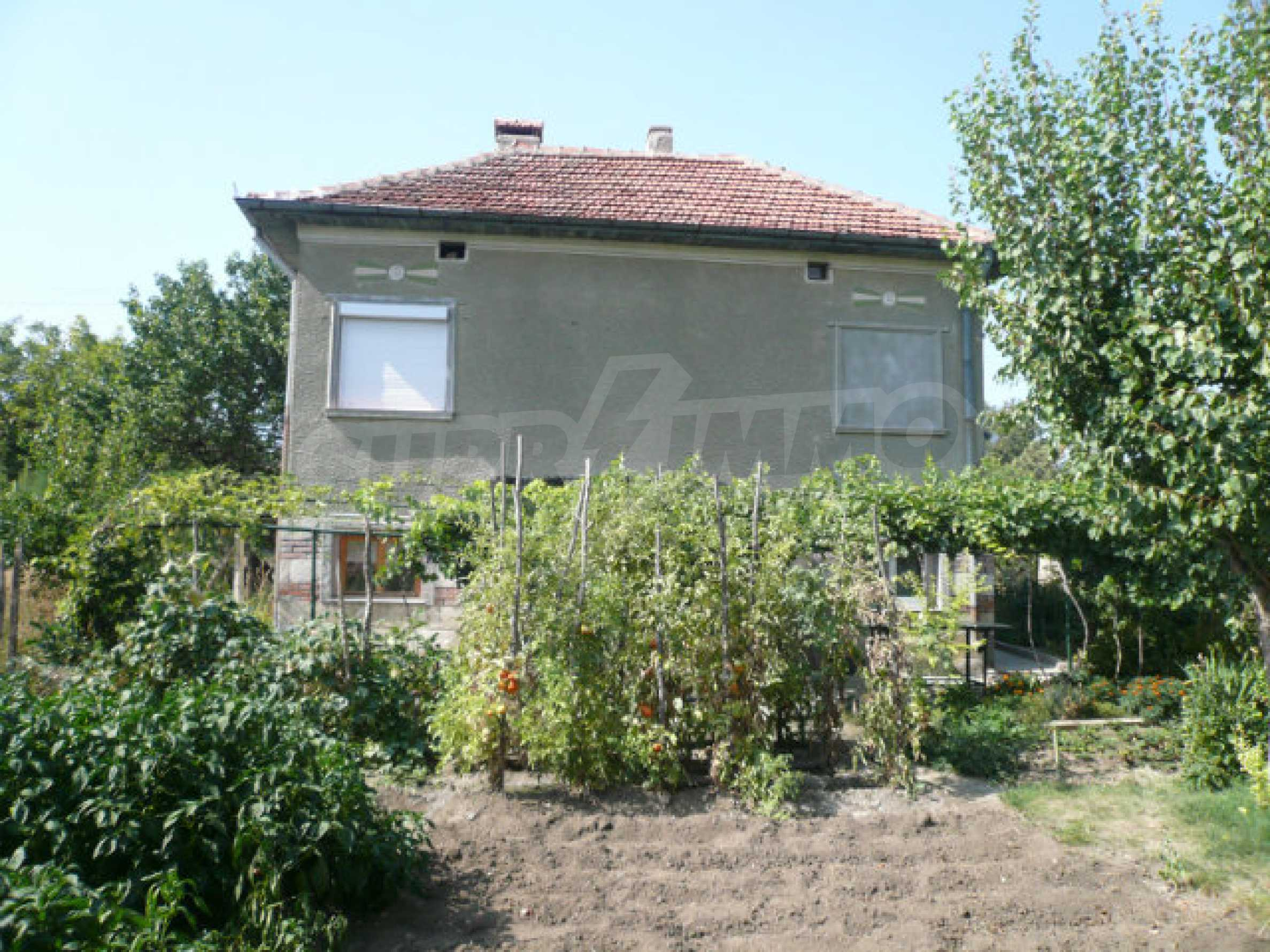 Schönes und solides zweistöckiges Landhaus in der Nähe von Vidin 3