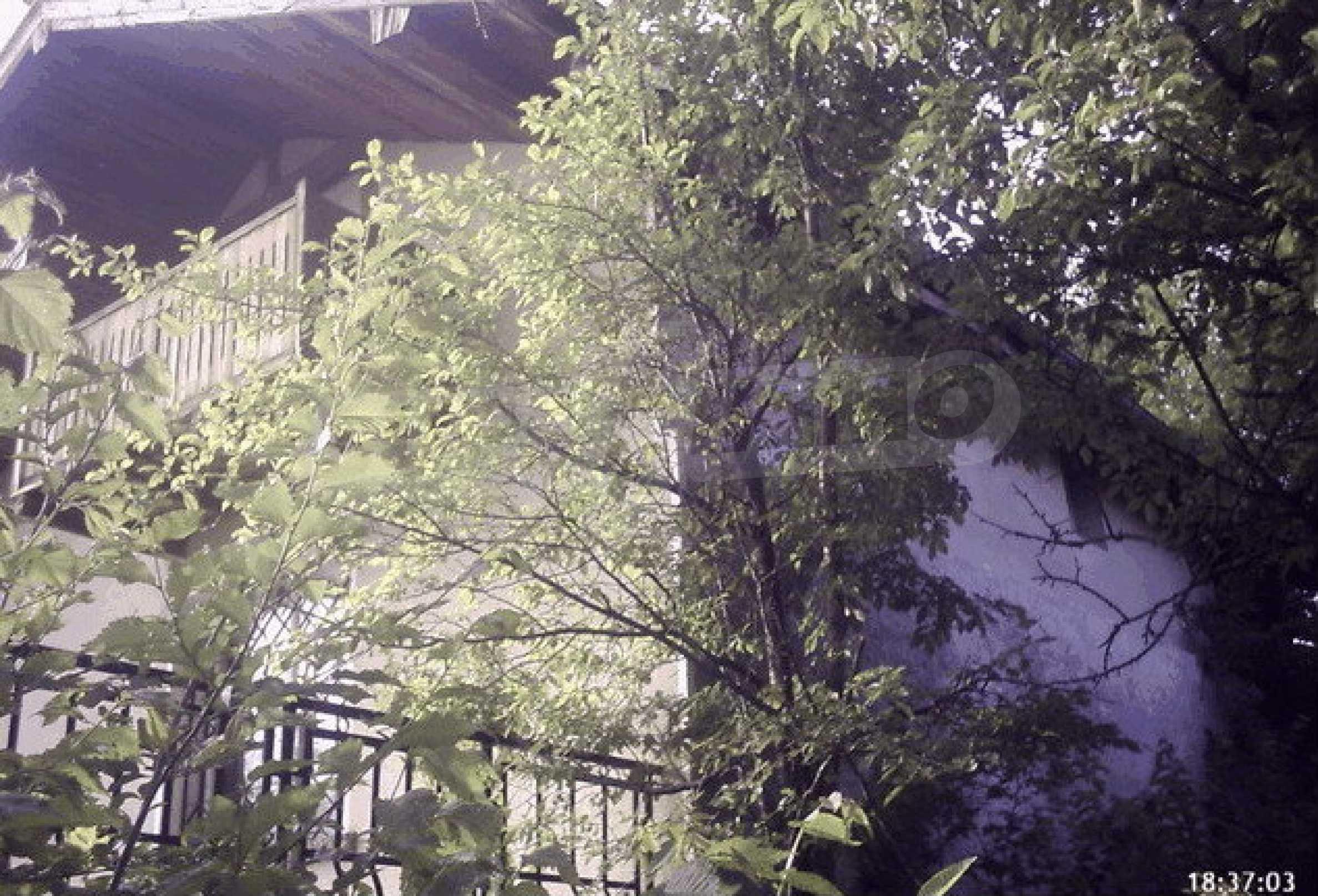 Большая вилла около водопадов 27