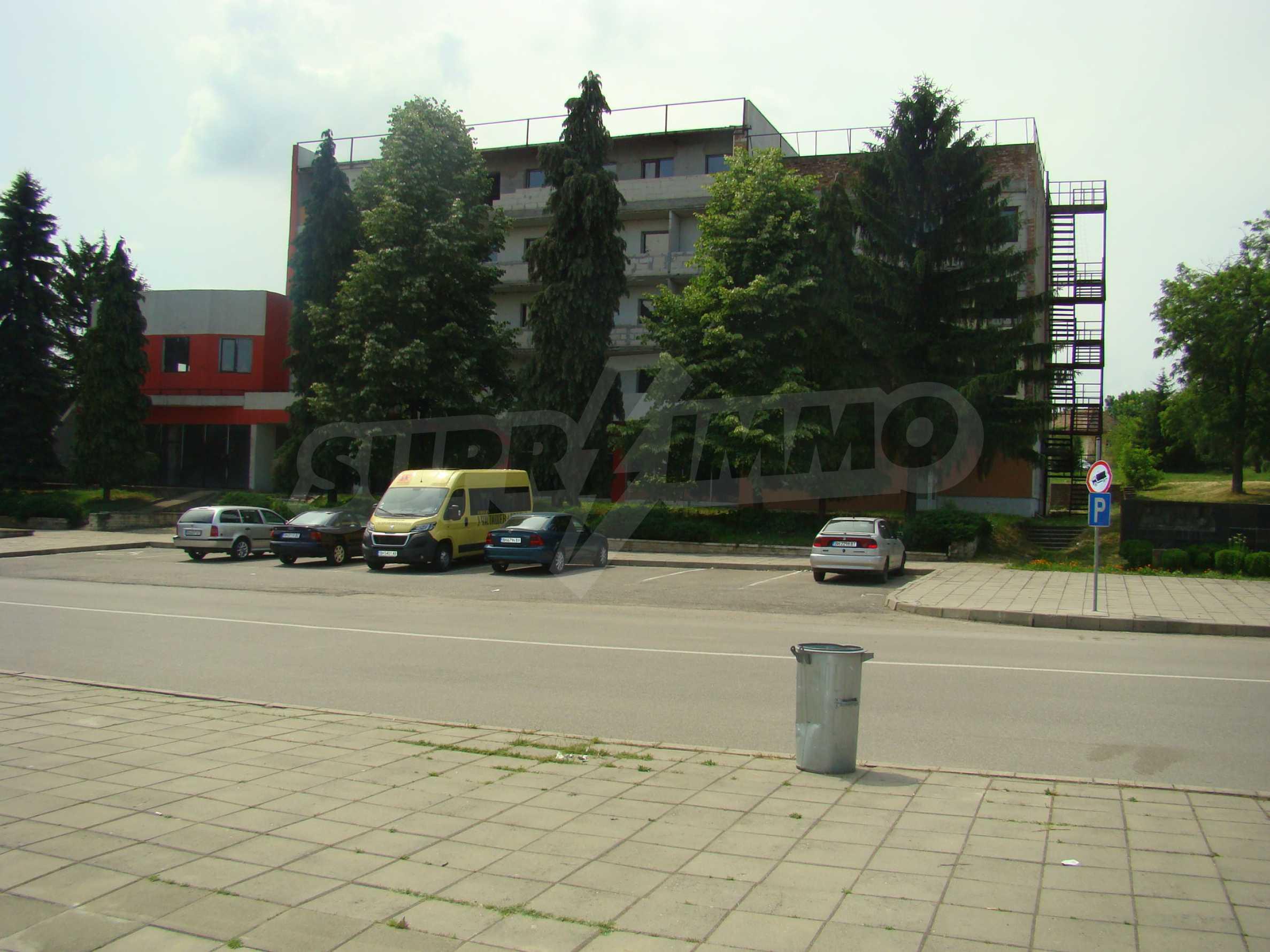 Сграда за инвестиция в центъра на град Кула 2