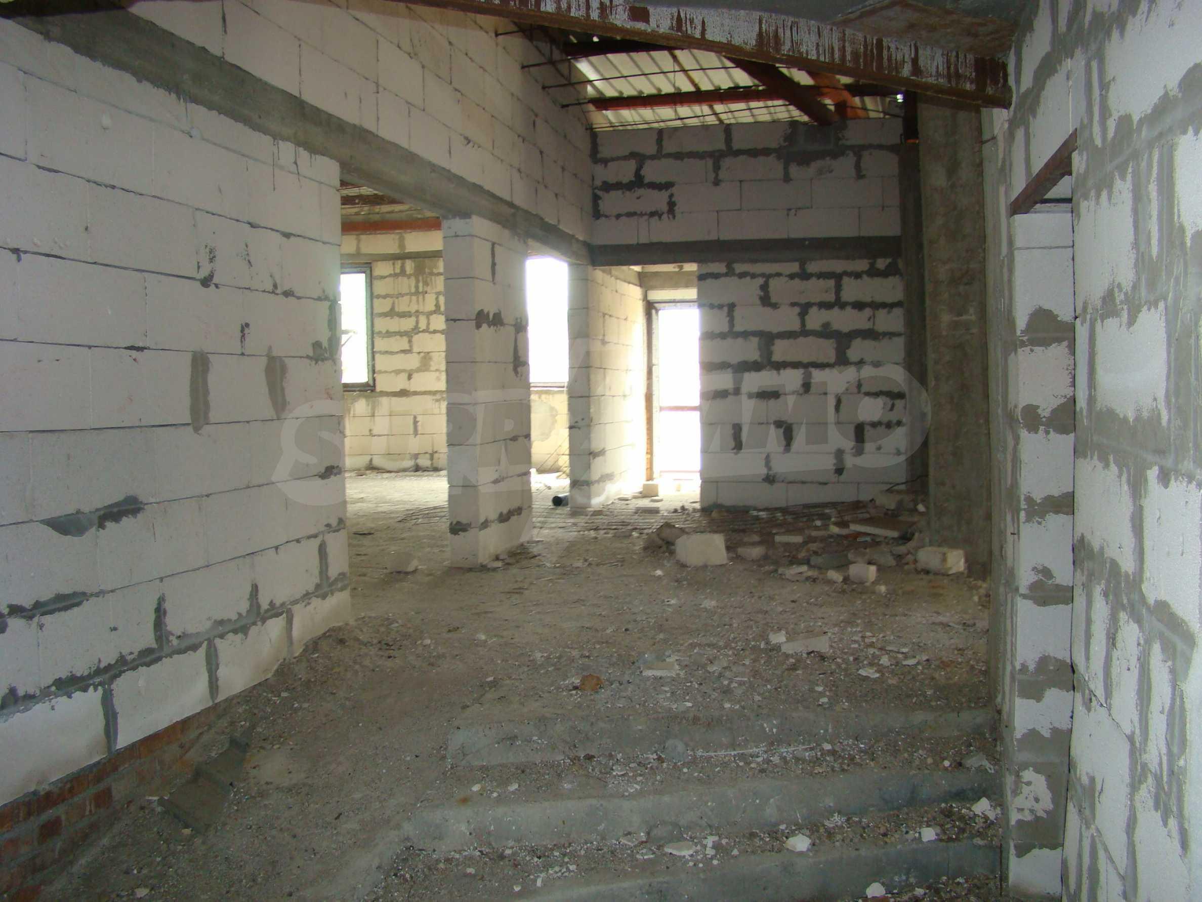 Сграда за инвестиция в центъра на град Кула 29