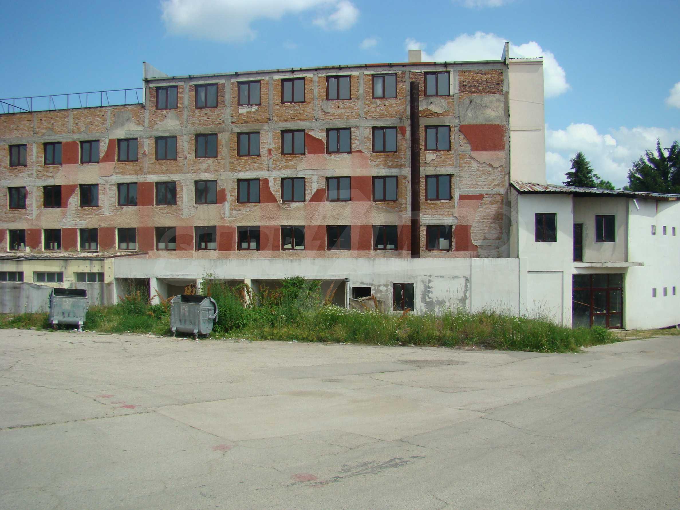 Сграда за инвестиция в центъра на град Кула 4