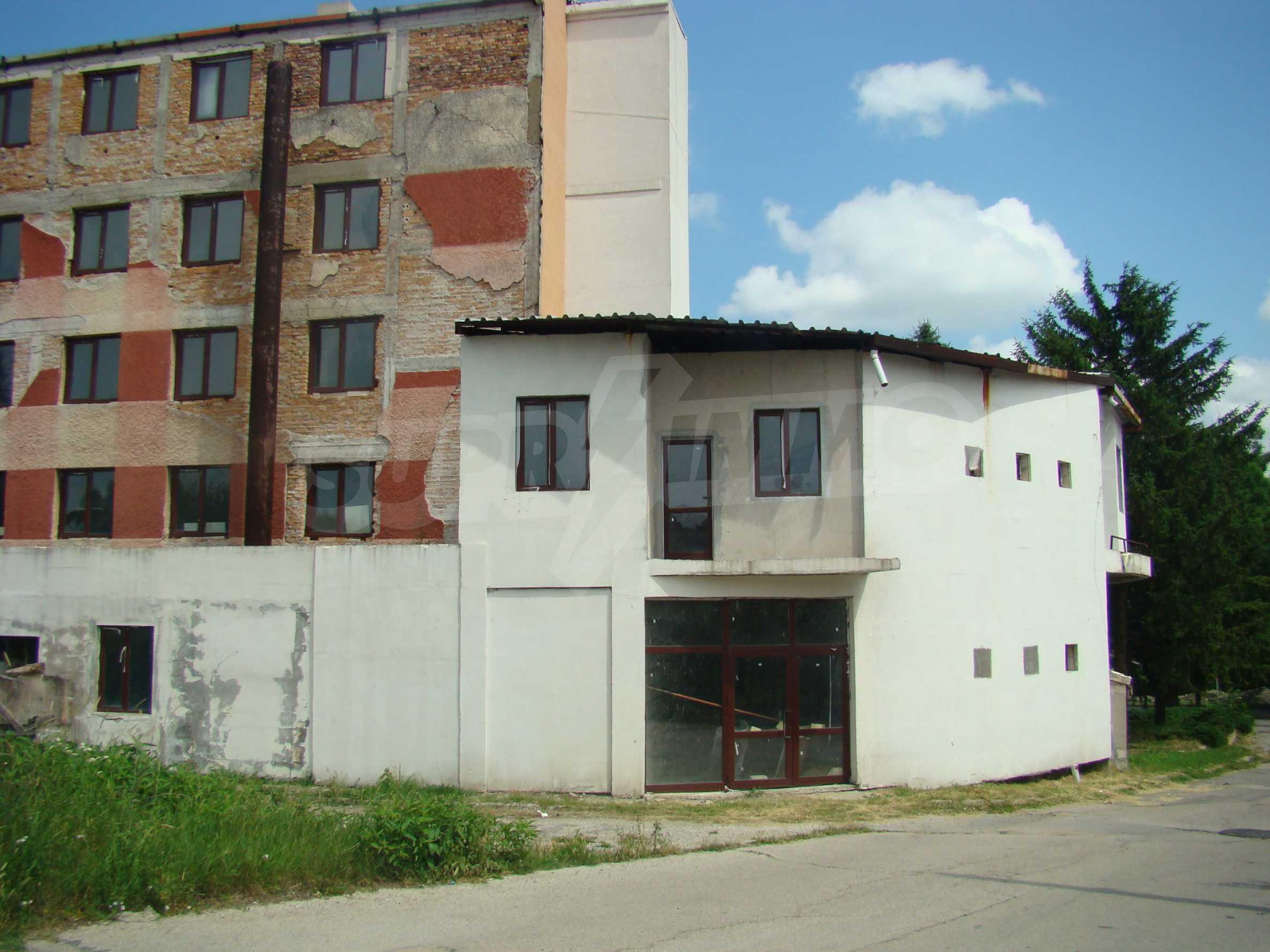 Сграда за инвестиция в центъра на град Кула 5