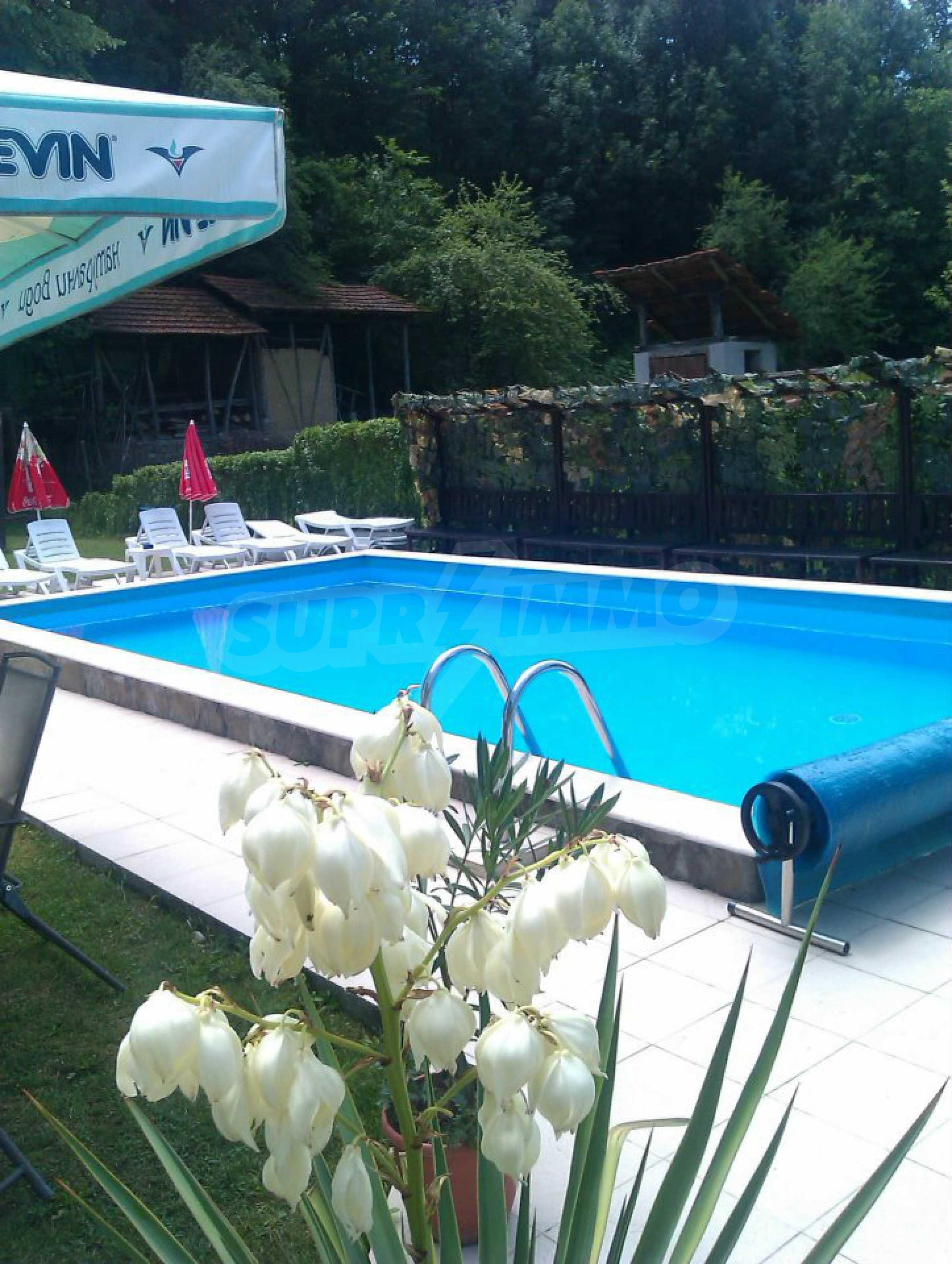 Gemütliches Hotel mit Pool im Herzen des Balkangebirges 2