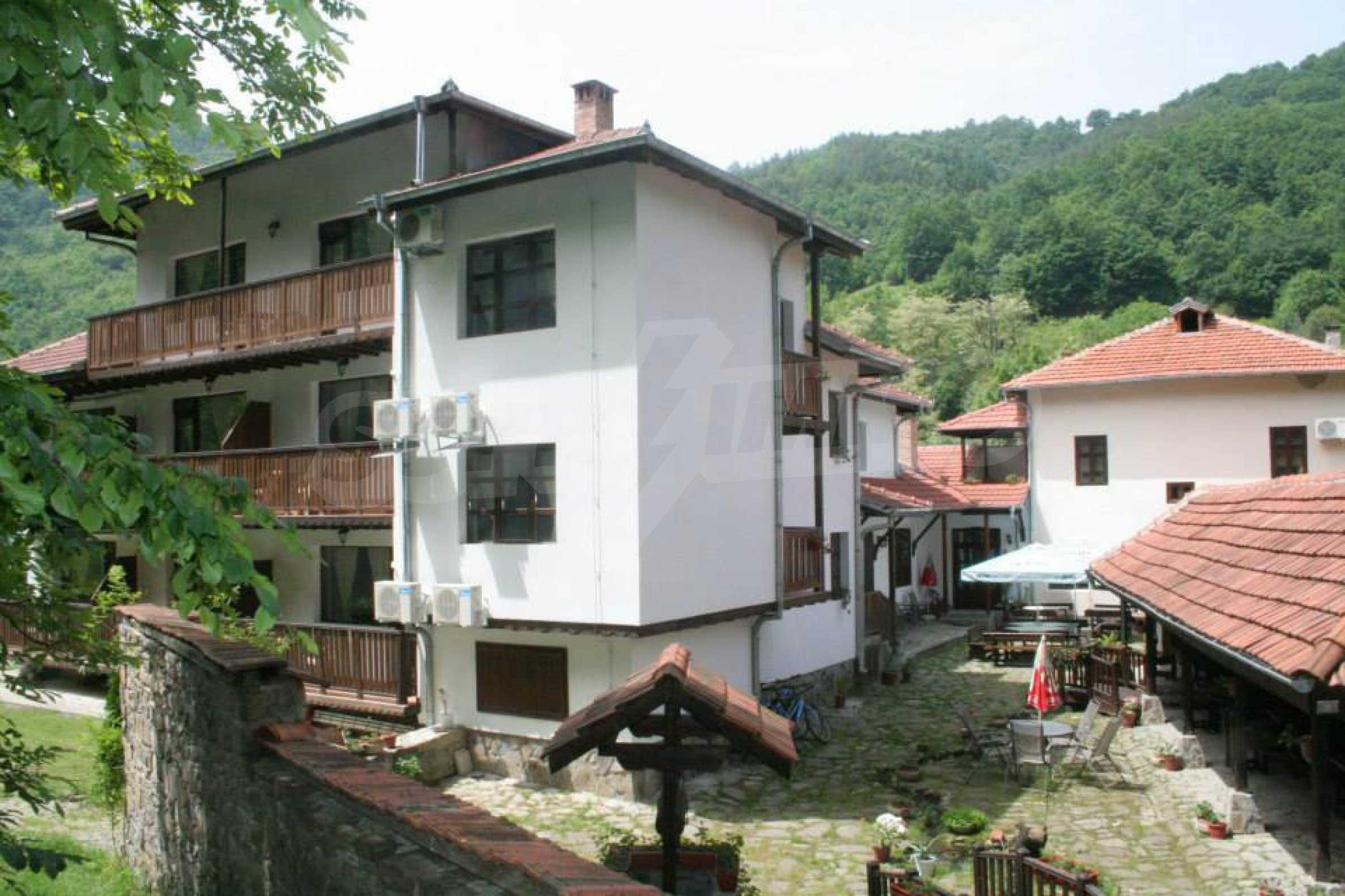 Gemütliches Hotel mit Pool im Herzen des Balkangebirges 48