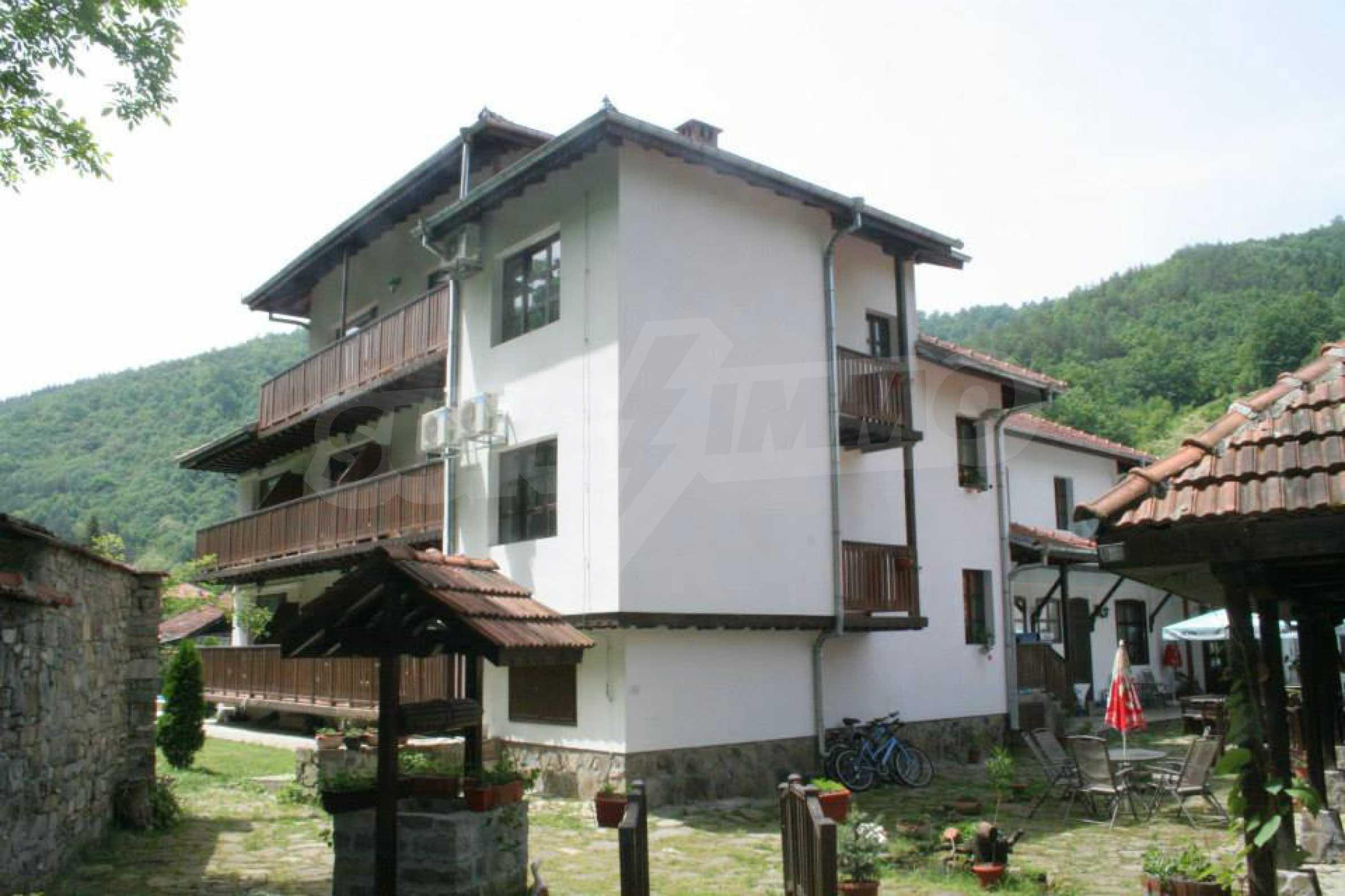 Gemütliches Hotel mit Pool im Herzen des Balkangebirges 4
