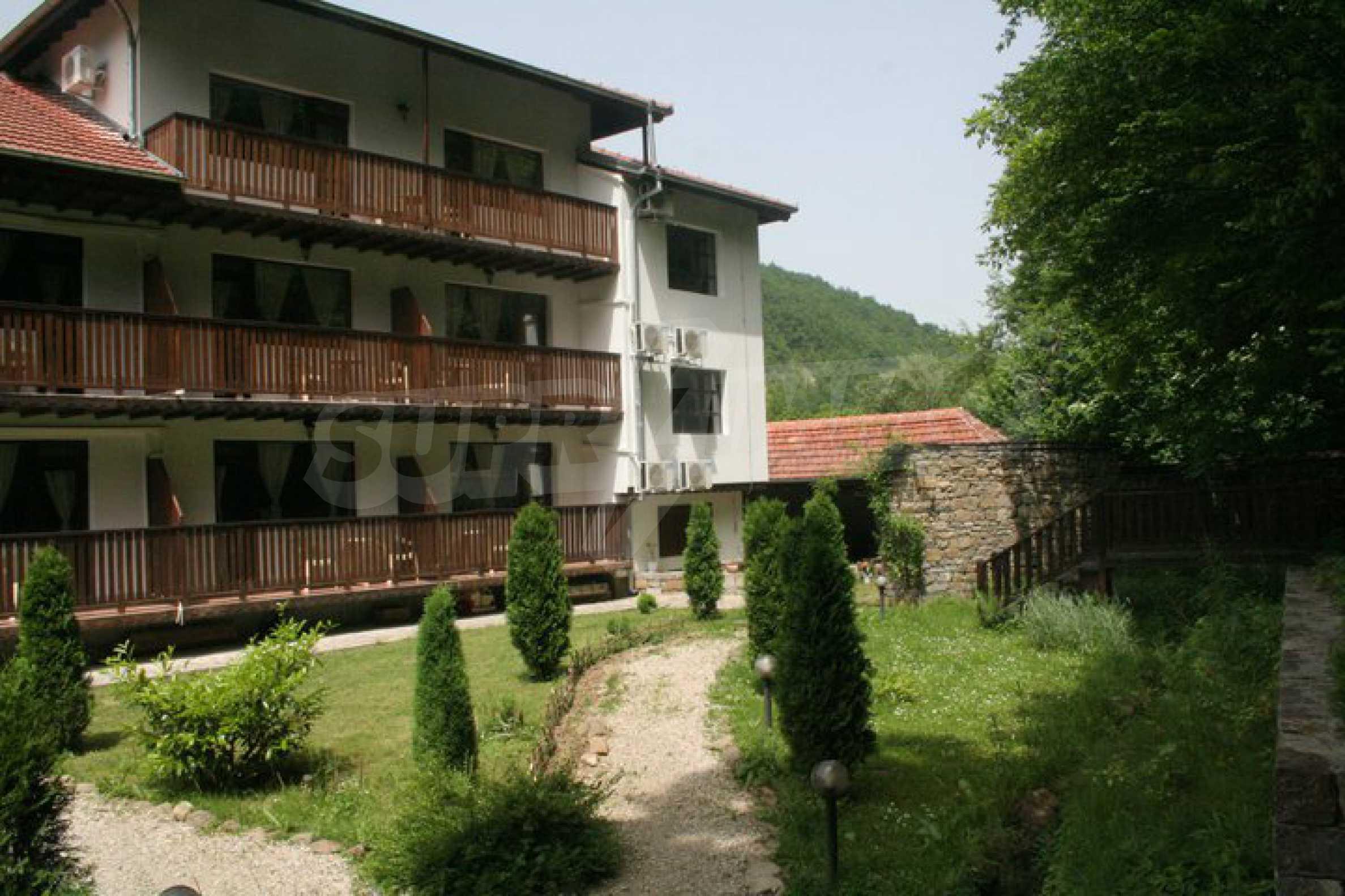Gemütliches Hotel mit Pool im Herzen des Balkangebirges 8