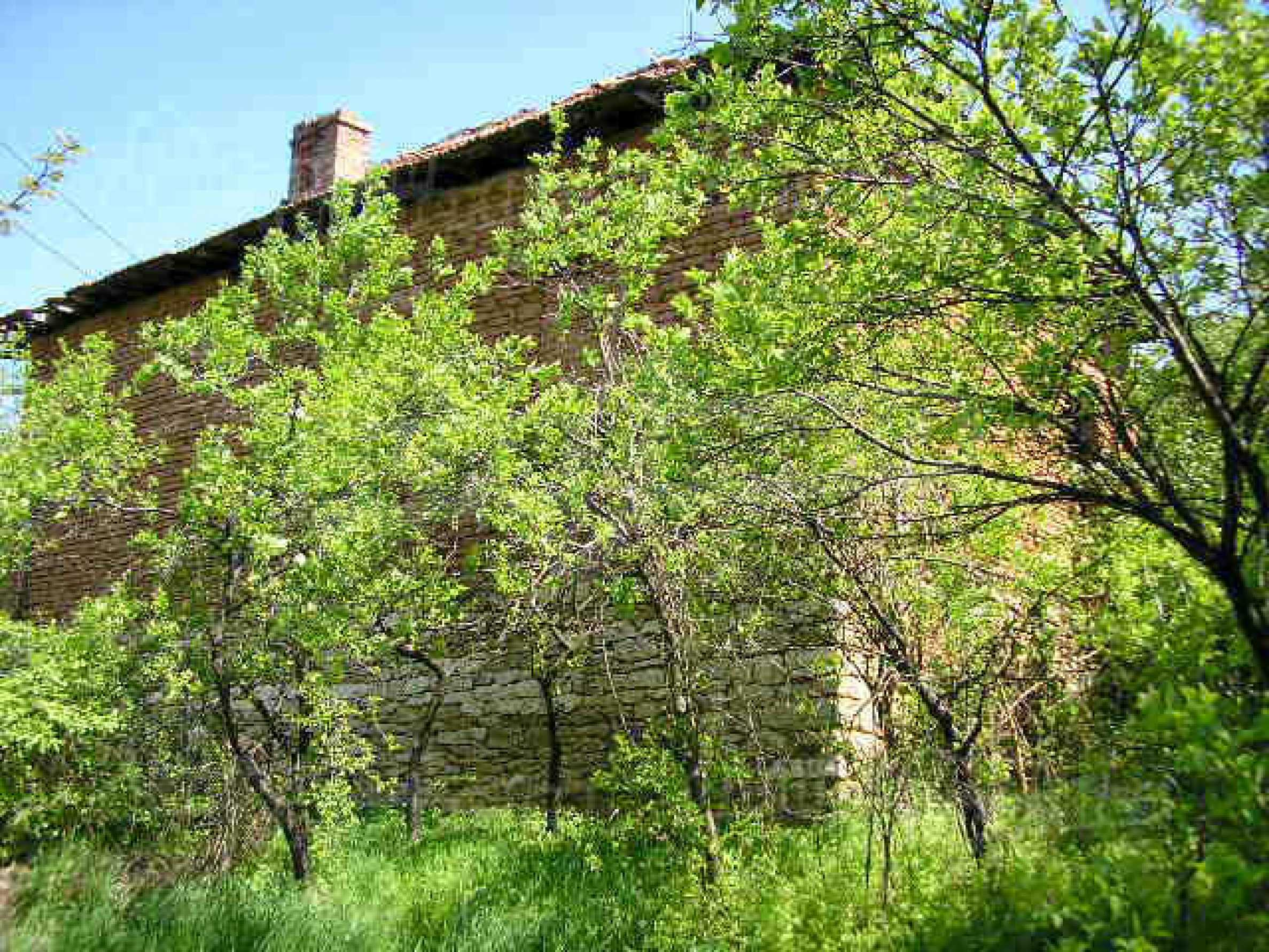 Two-storey rural property with spacious garden near Lovech 2